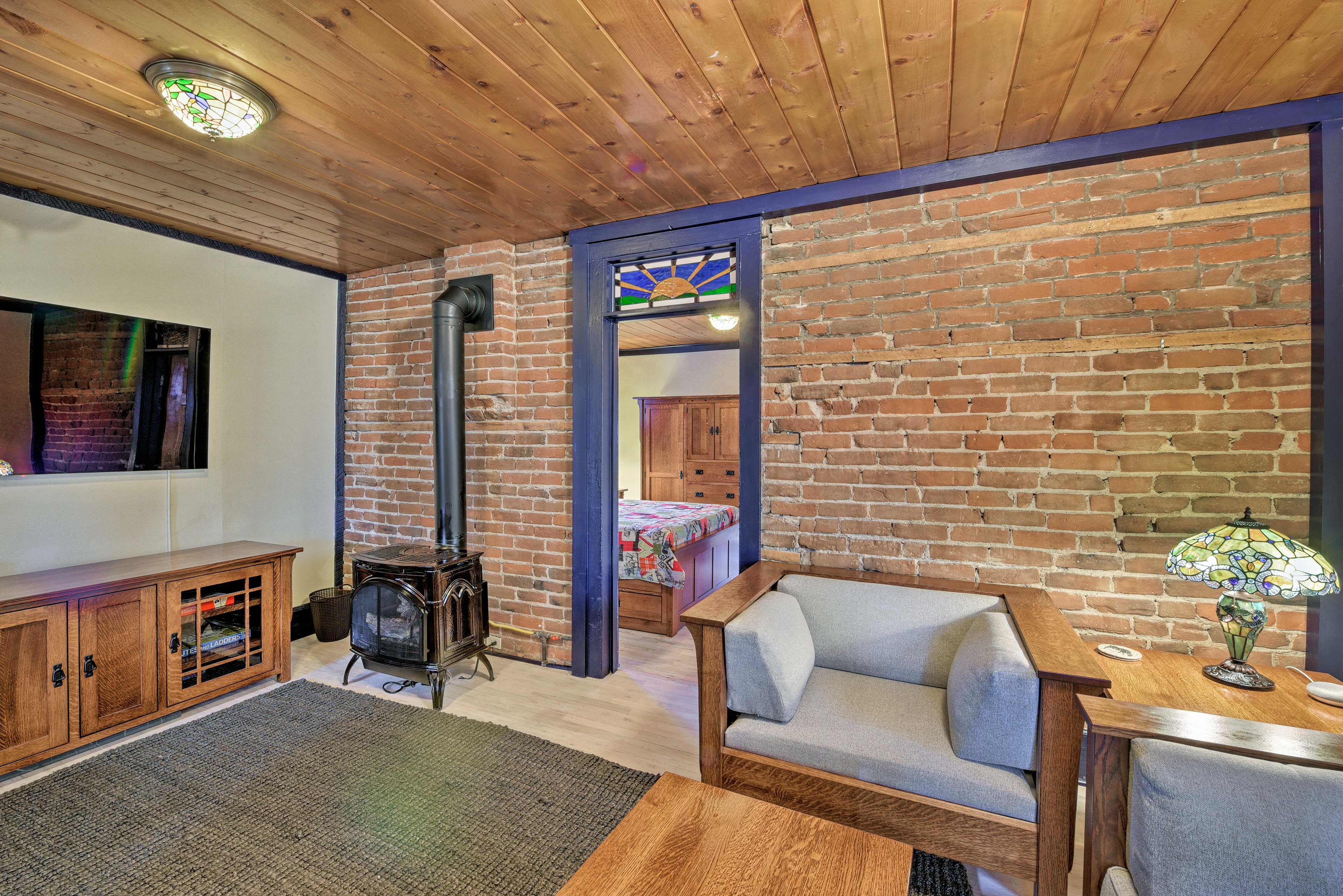 Enjoy Salida in style at this 1-bedroom, 1-bath vacation rental for 6.
