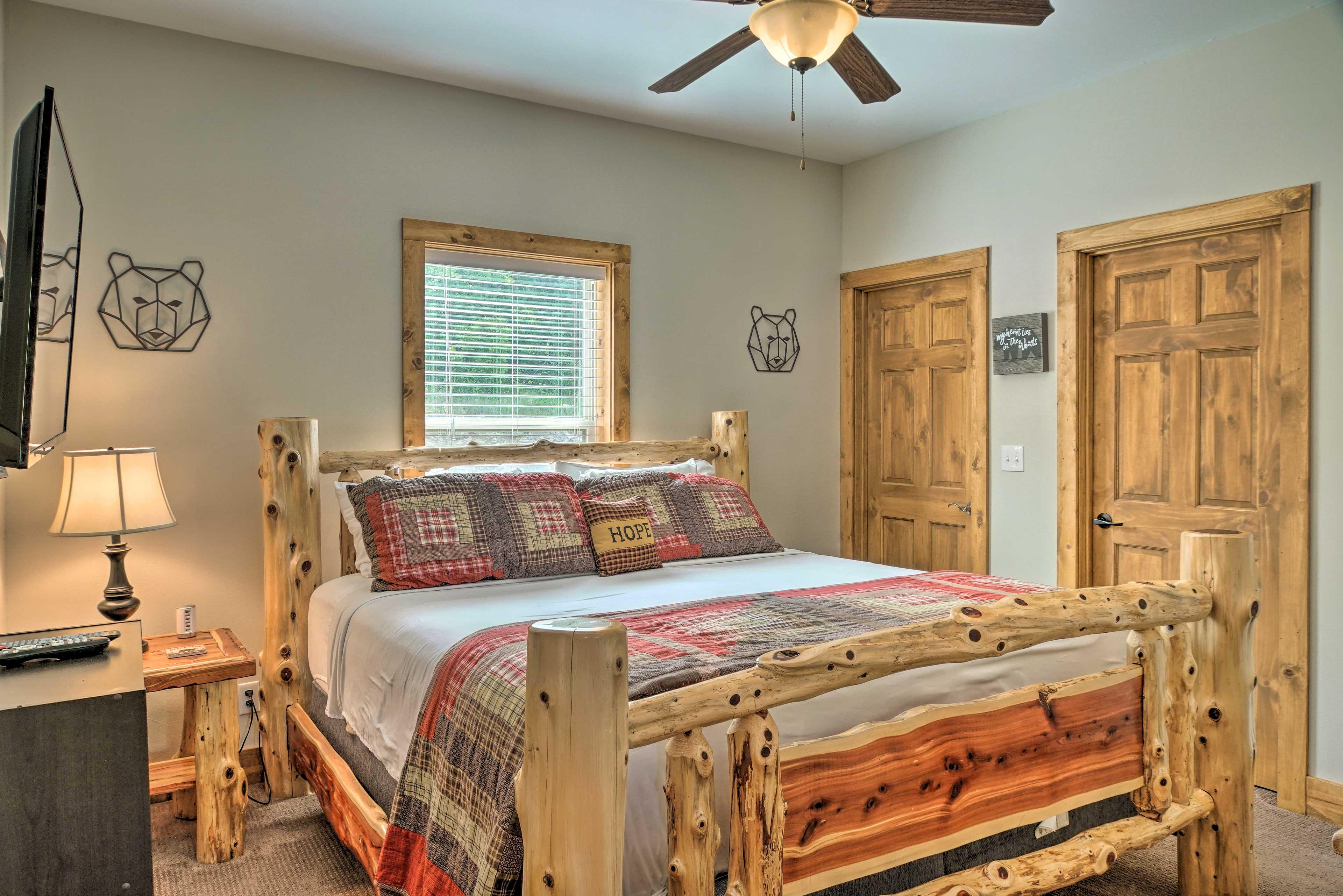 Bedroom 4   King Bed