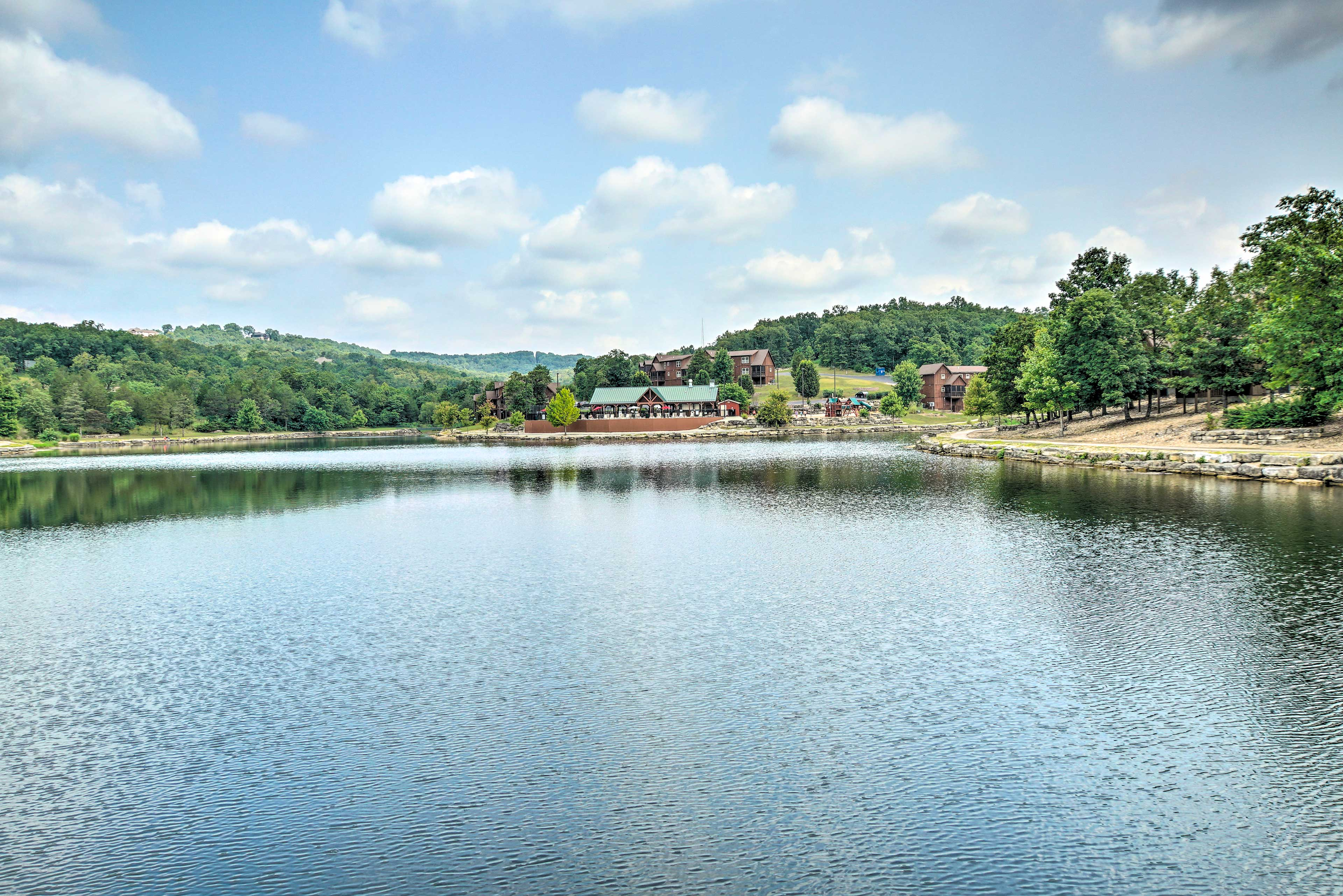The StoneBridge Resort   Lake Access
