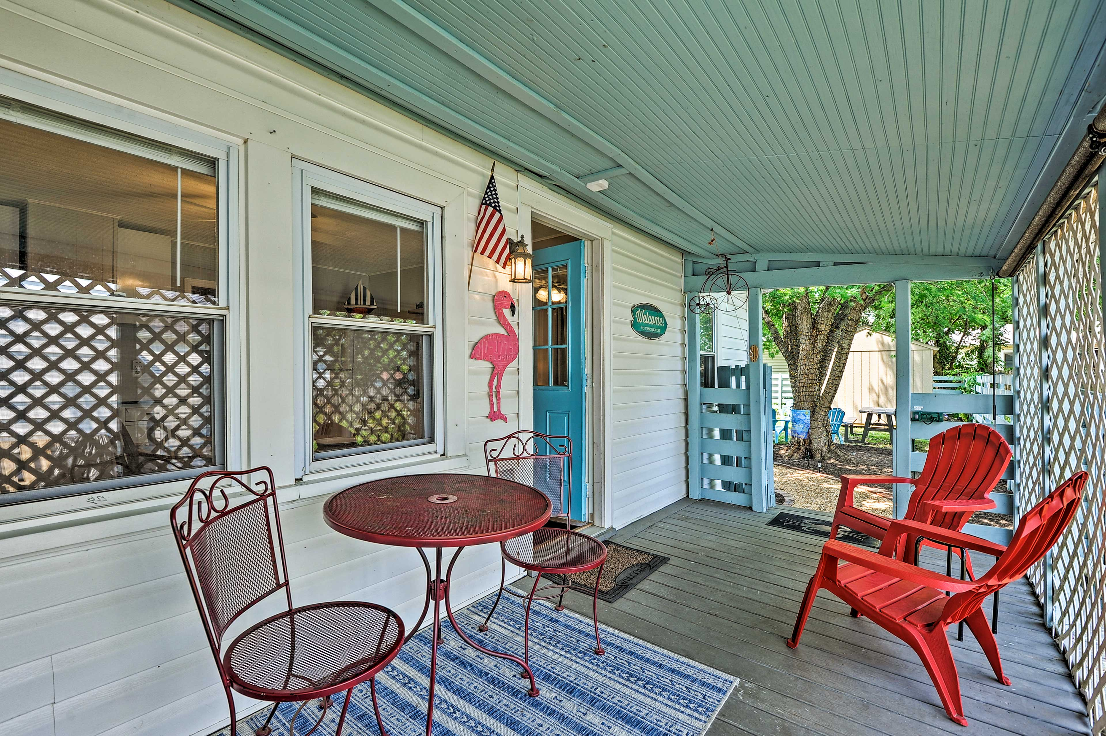 Covered Porch | Ample Seating