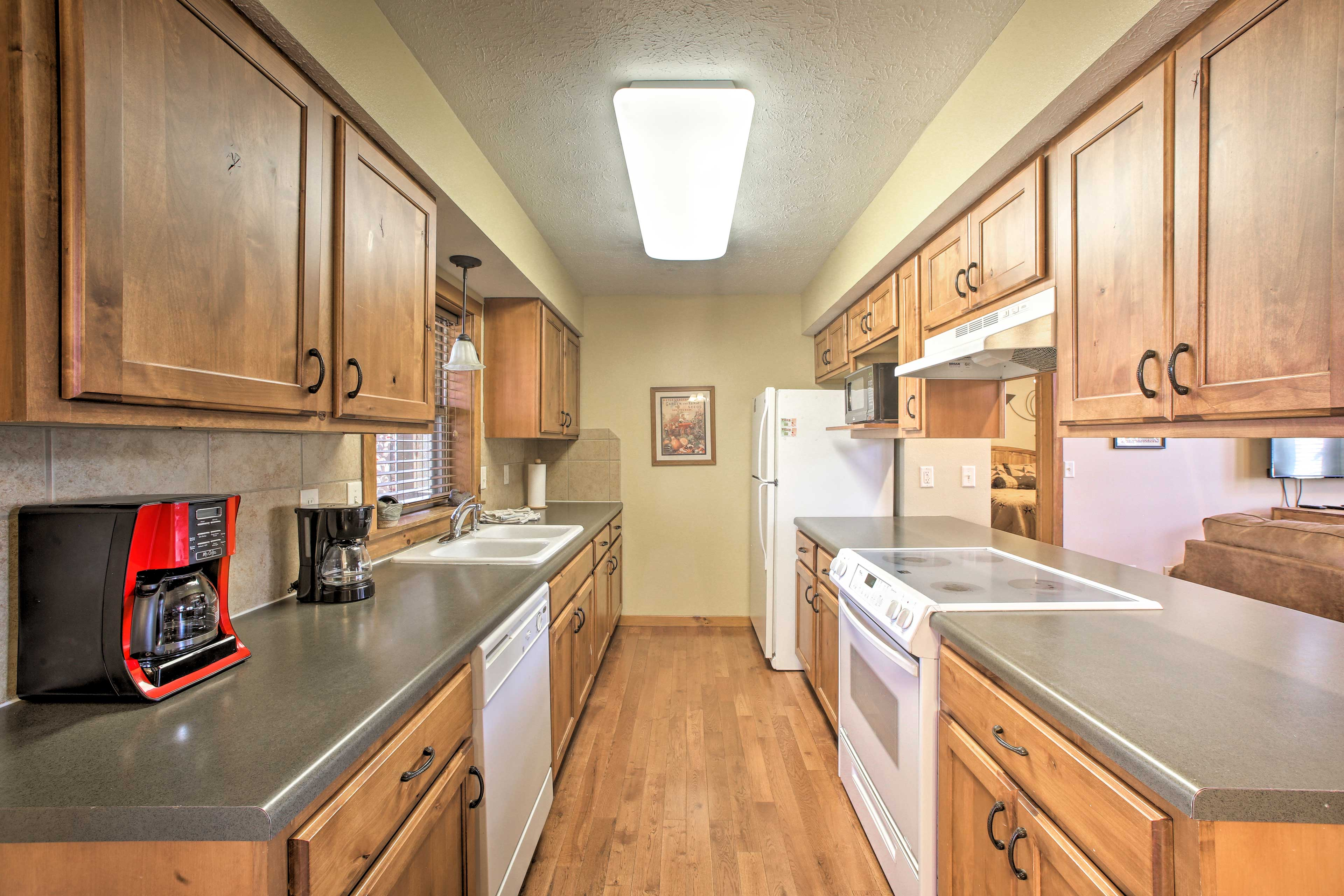The kitchen is fully equipped with all the cookware & appliances you'll need!