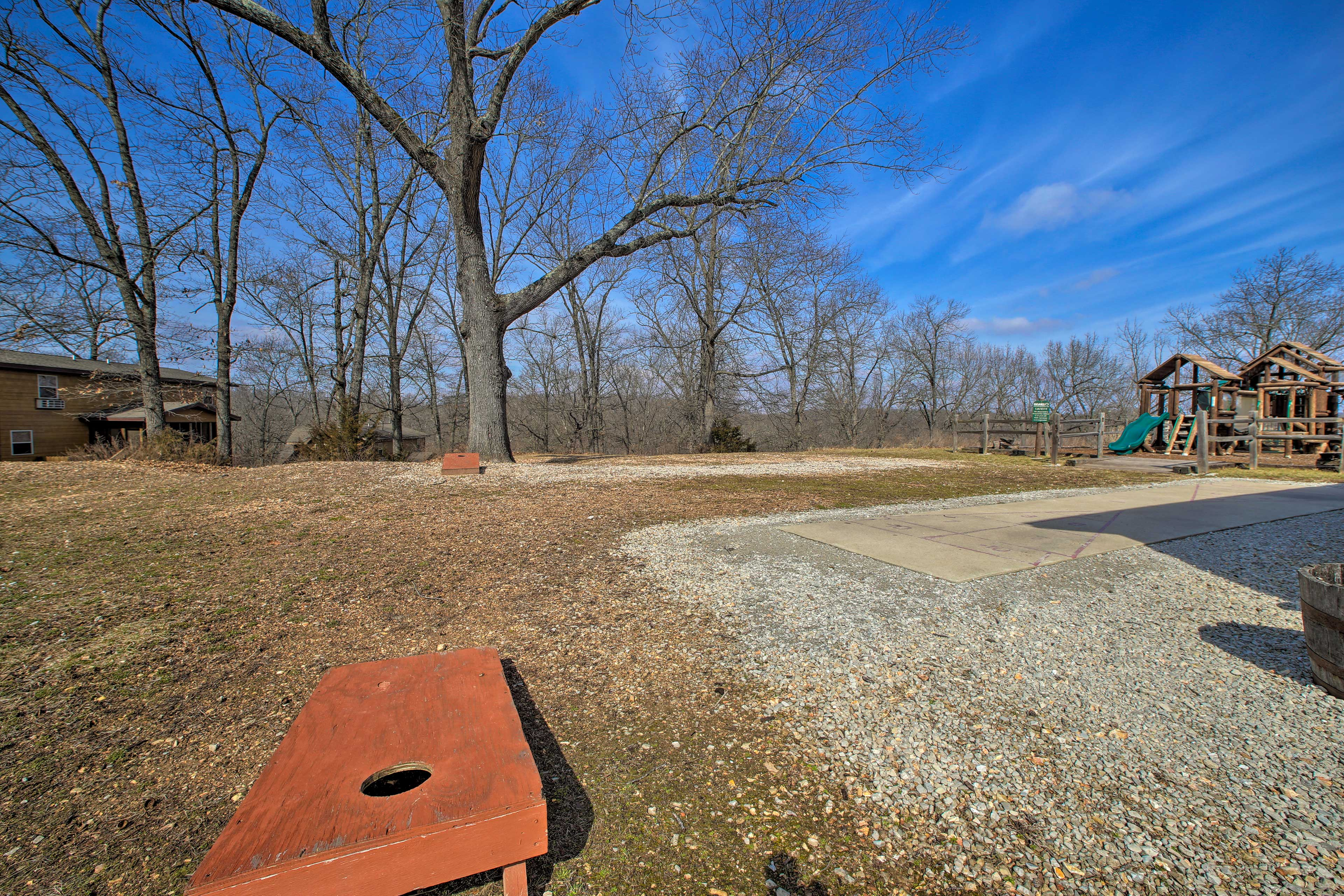 All of this is just 1 mile from Silver Dollar City & close to Table Rock Lake!