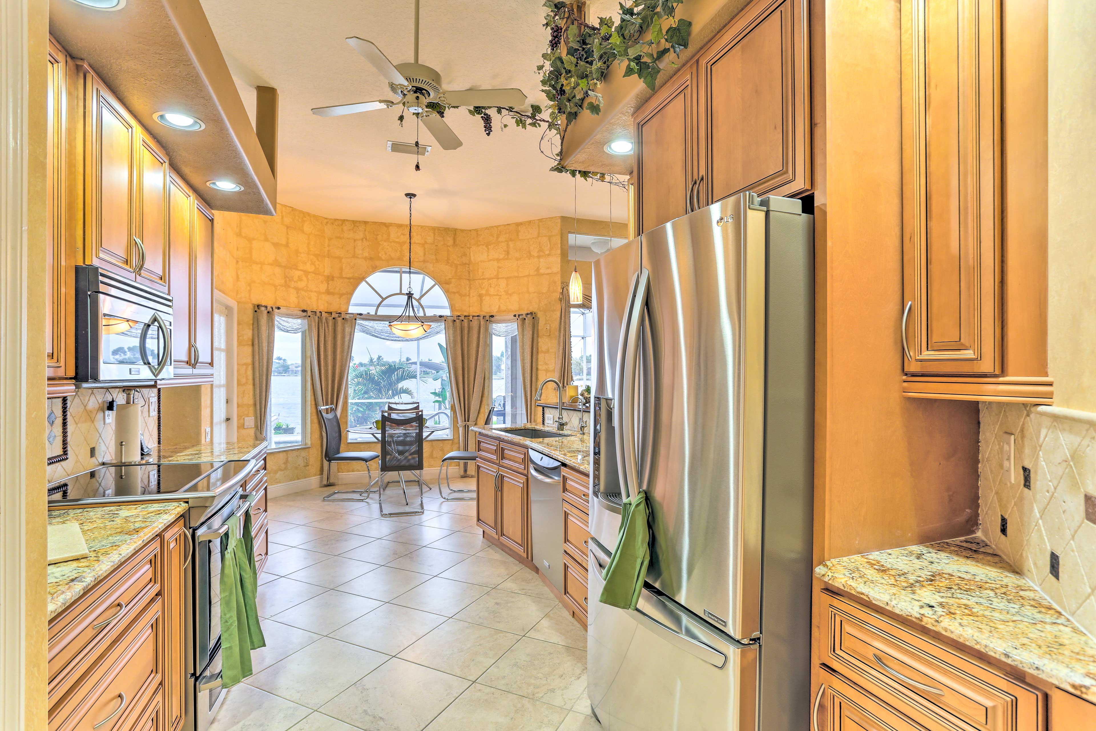 Enjoy views even while cooking in the fully equipped kitchen!