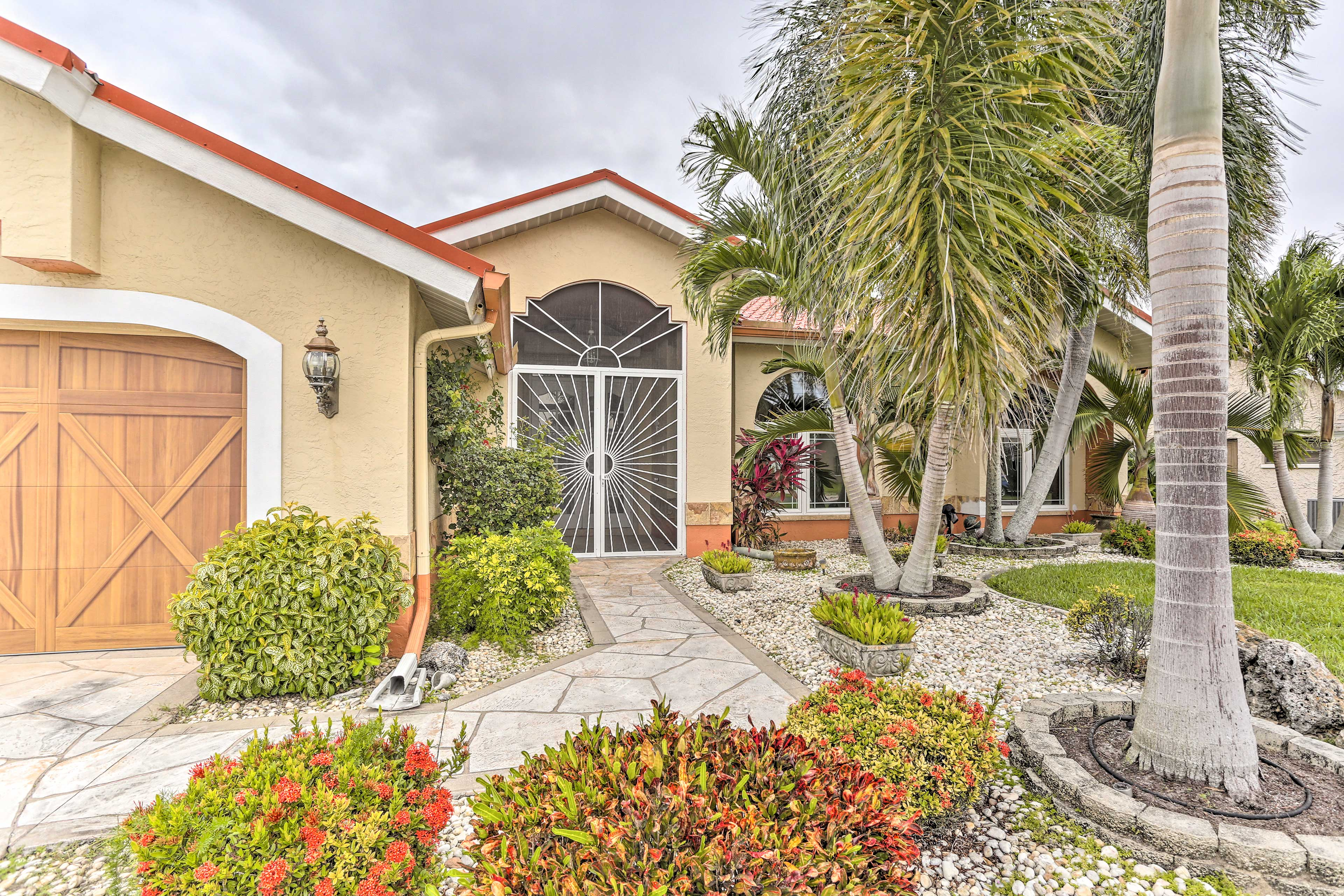 From first glance, this 3-bedroom, 2.5-bath Cape Coral home catches the eye.