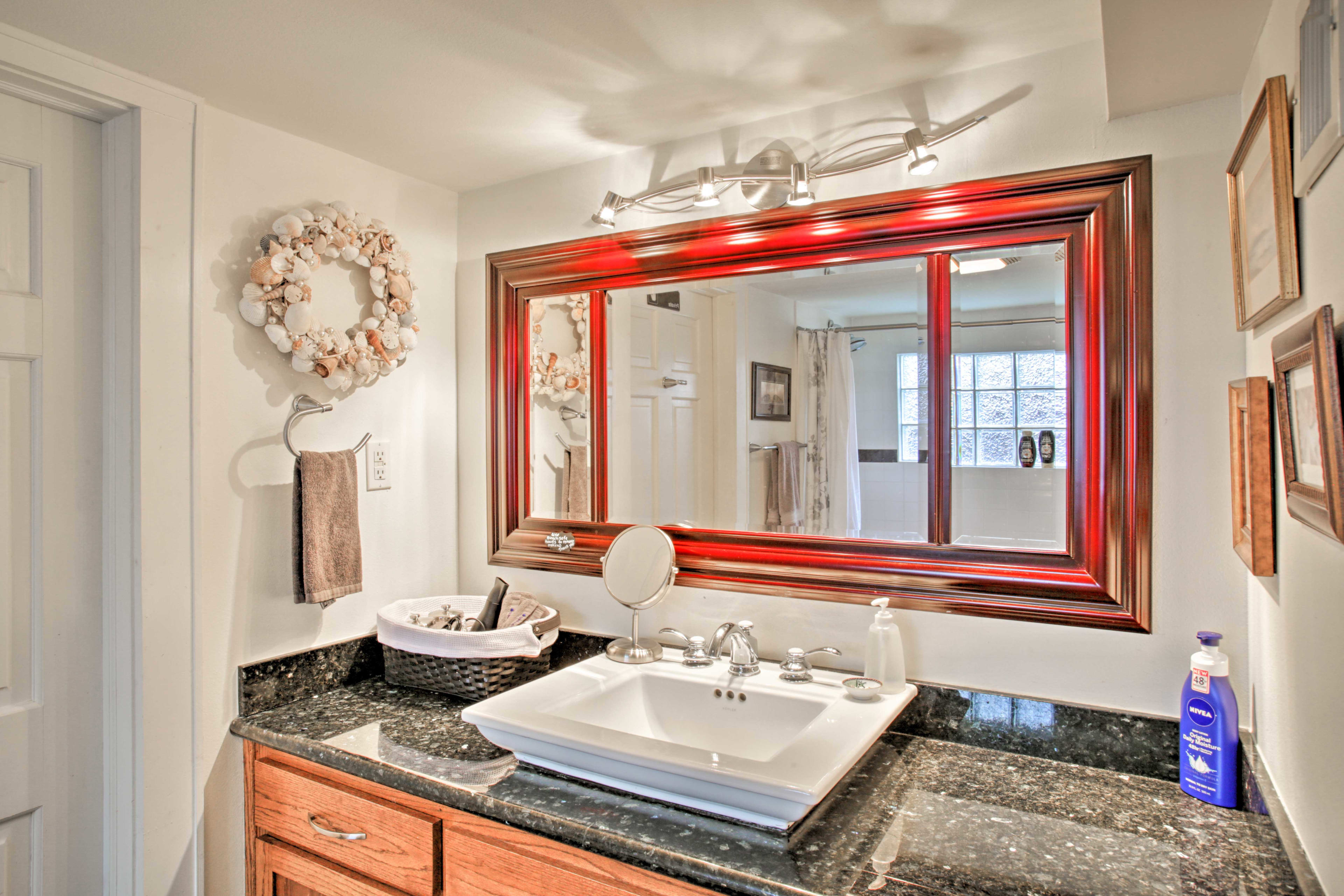 Wash up on top of these granite countertops.