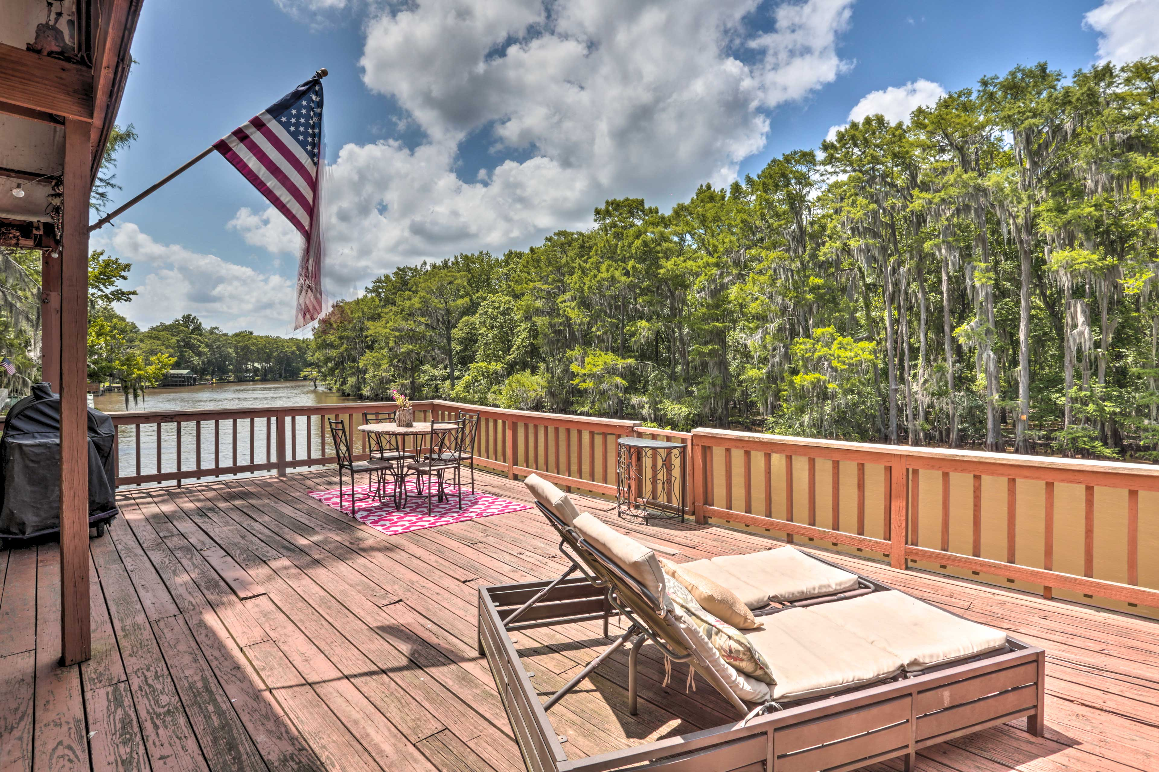 Karnack Vacation Rental   4BR   2BA   1,800 Sq Ft   Steps Required For Access