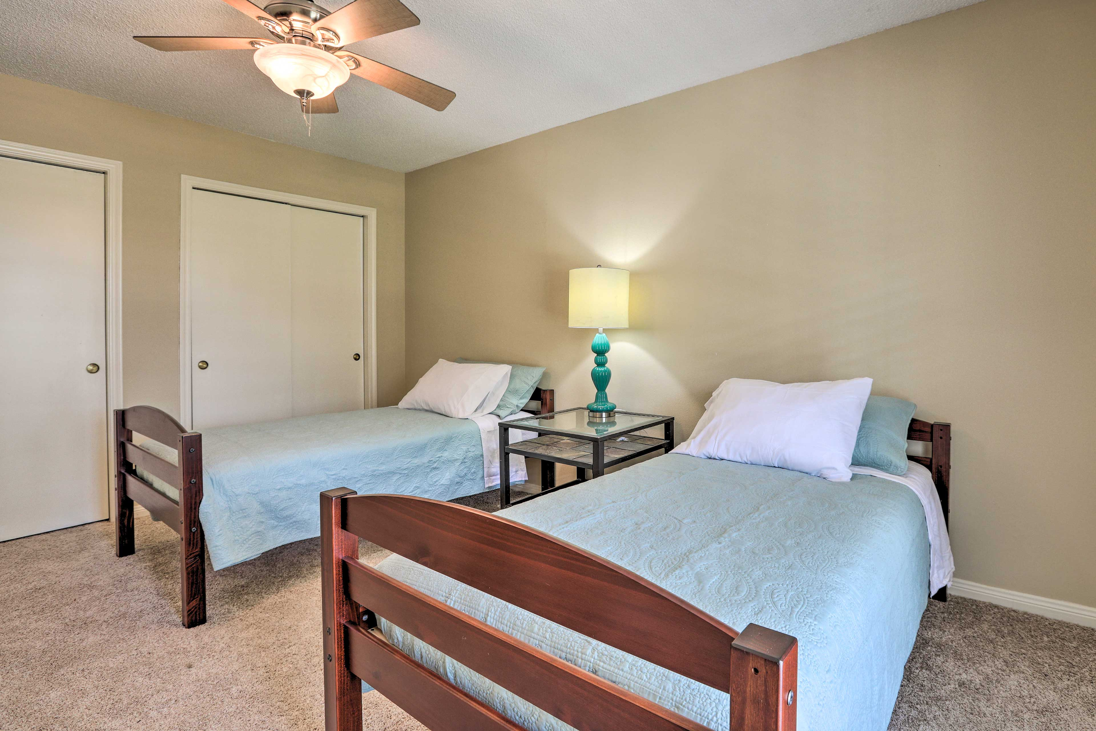The room has 2 twin beds.