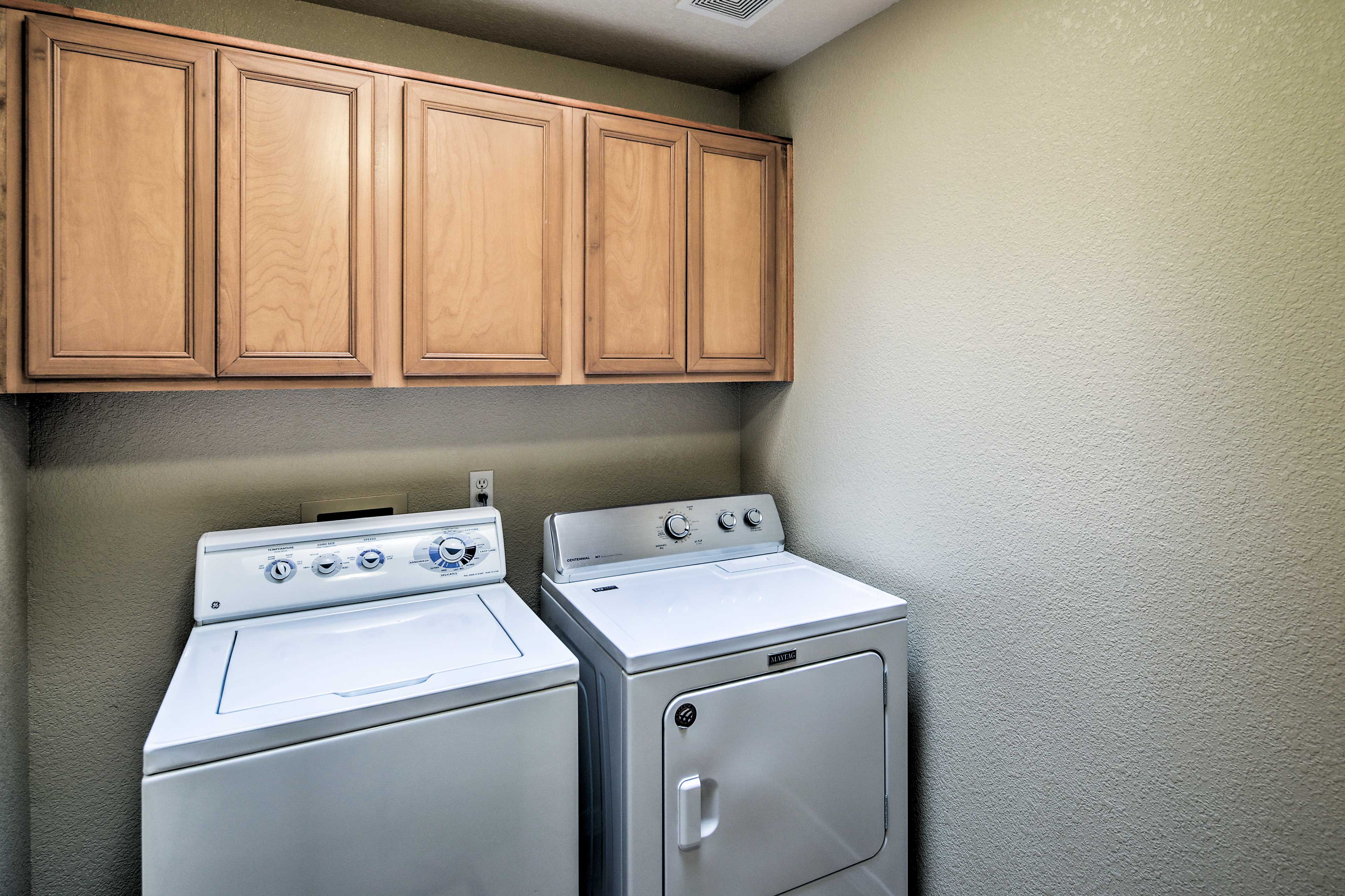 Keep your clothes fresh & clean with the in-unit laundry machines.
