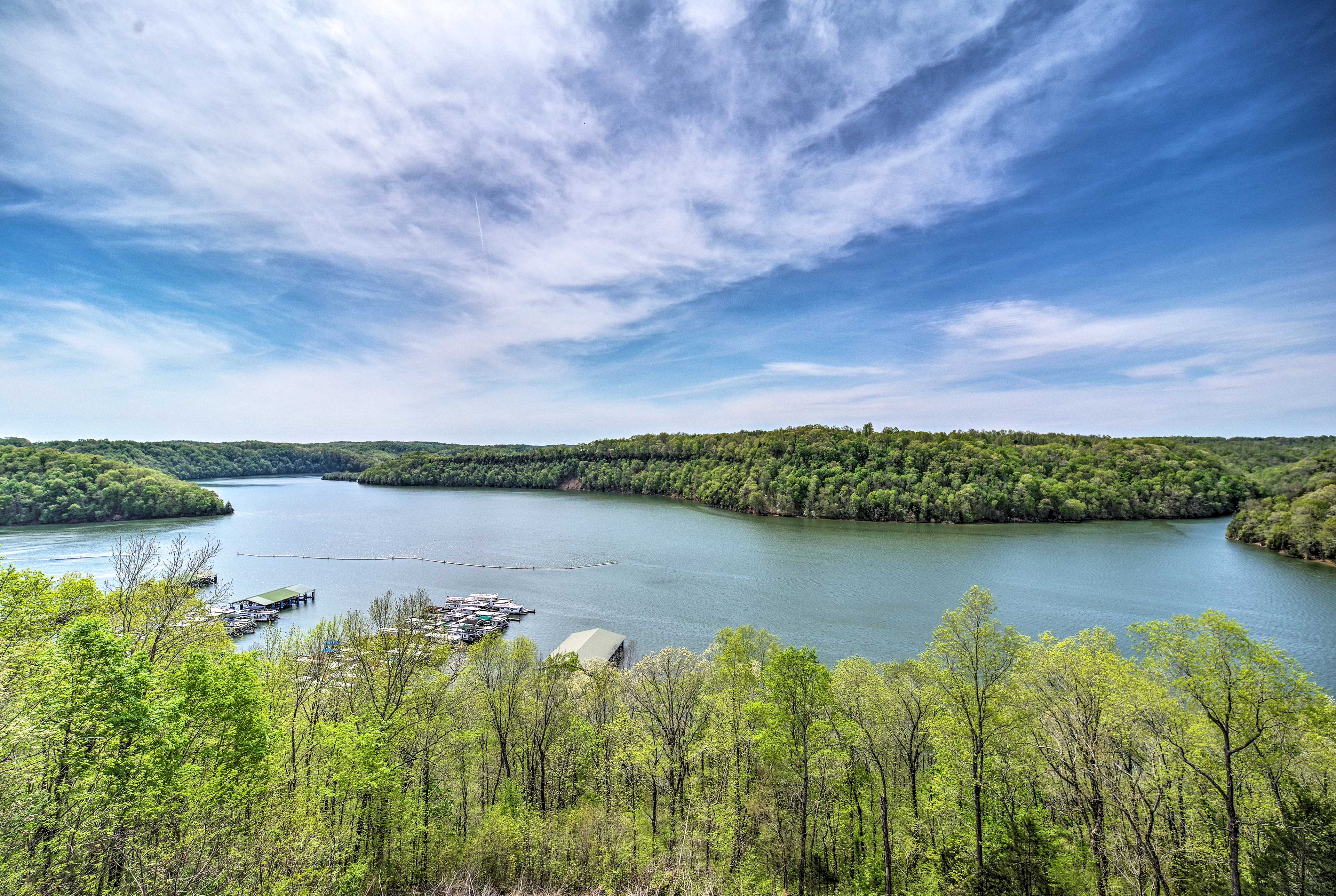 You'll be minutes from marinas and state parks!