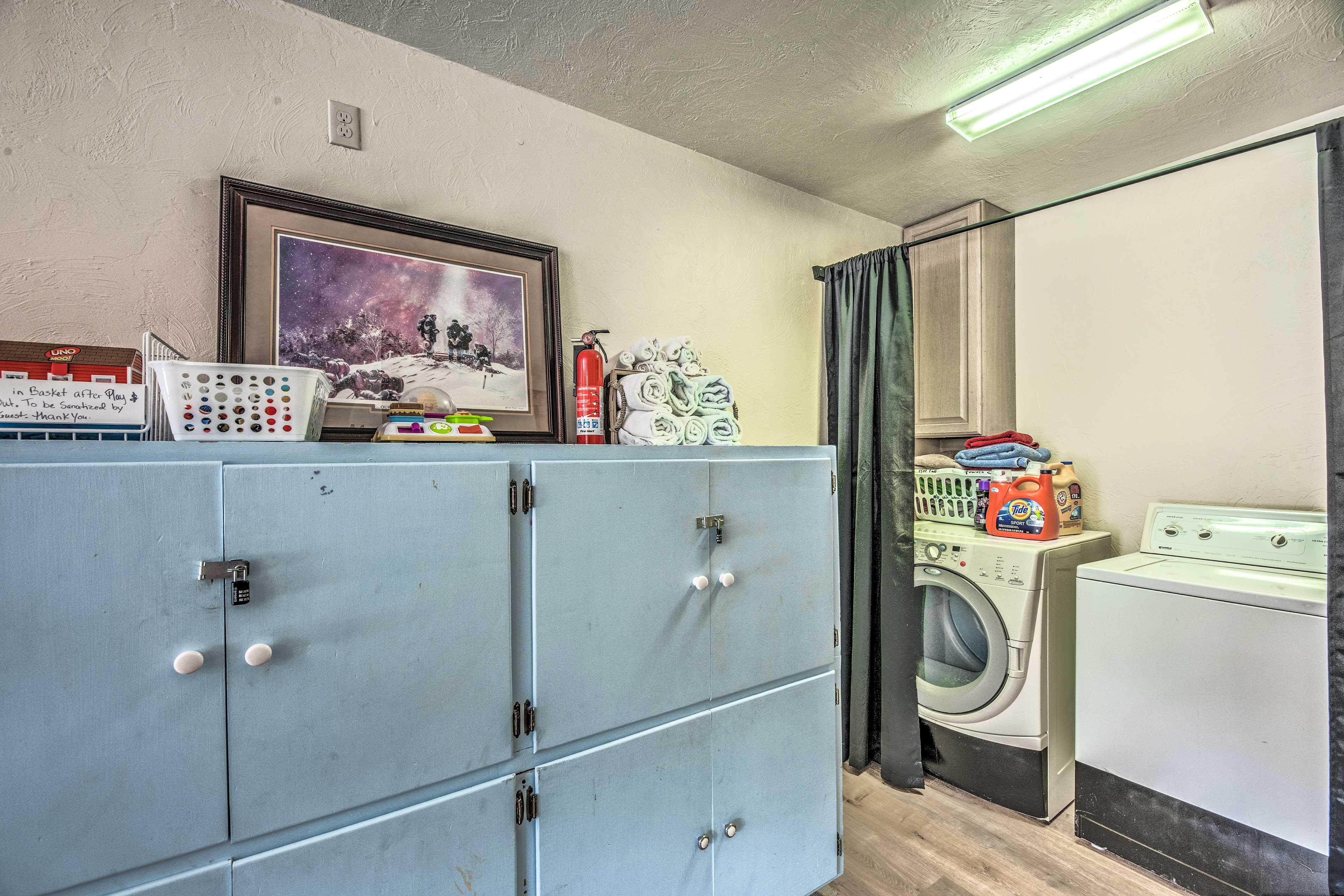 Game Room | Laundry Closet | Full-Sized Washer/Dryer