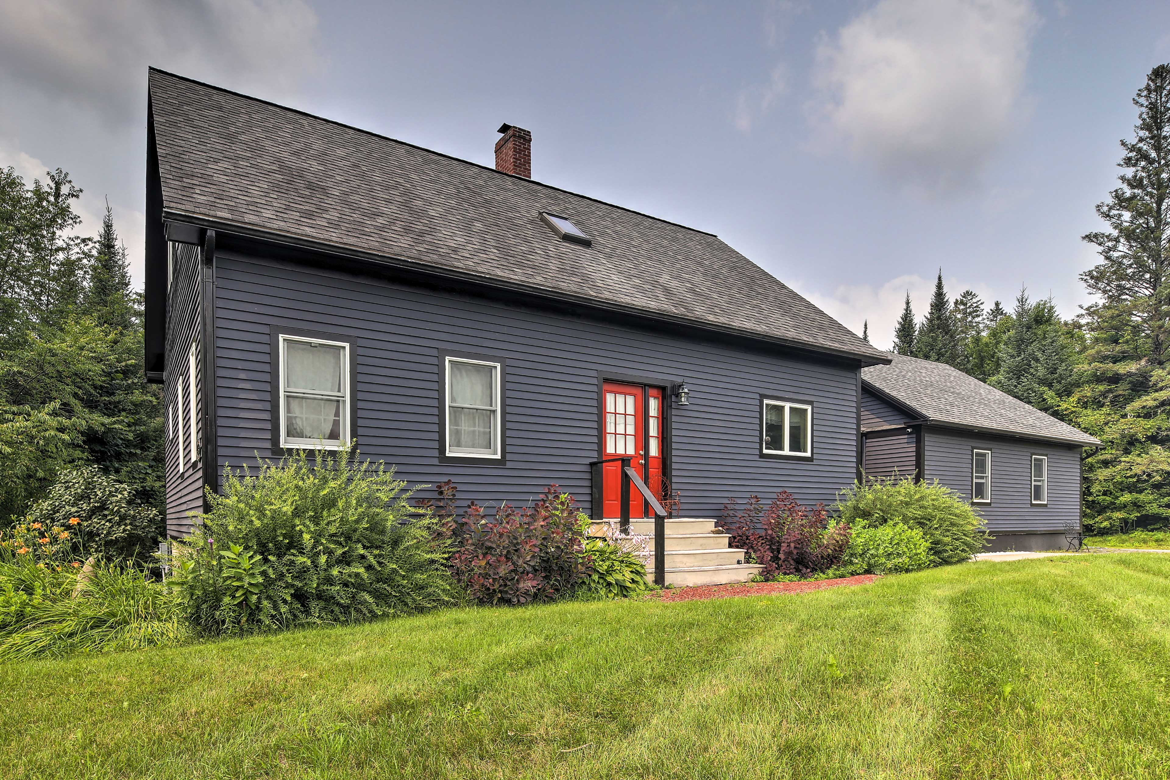 Lyndon Vacation Rental Home   4BR   3.5BA   2,220 Sq Ft   Stairs to Access