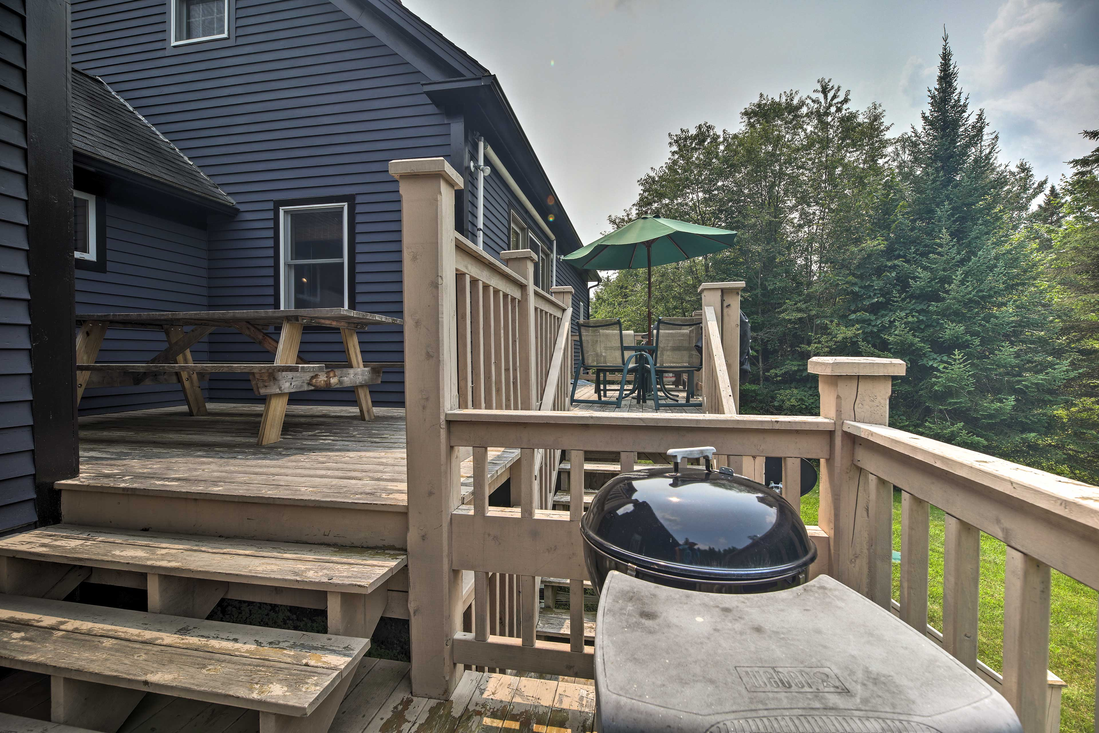Back Deck   Charcoal Grill