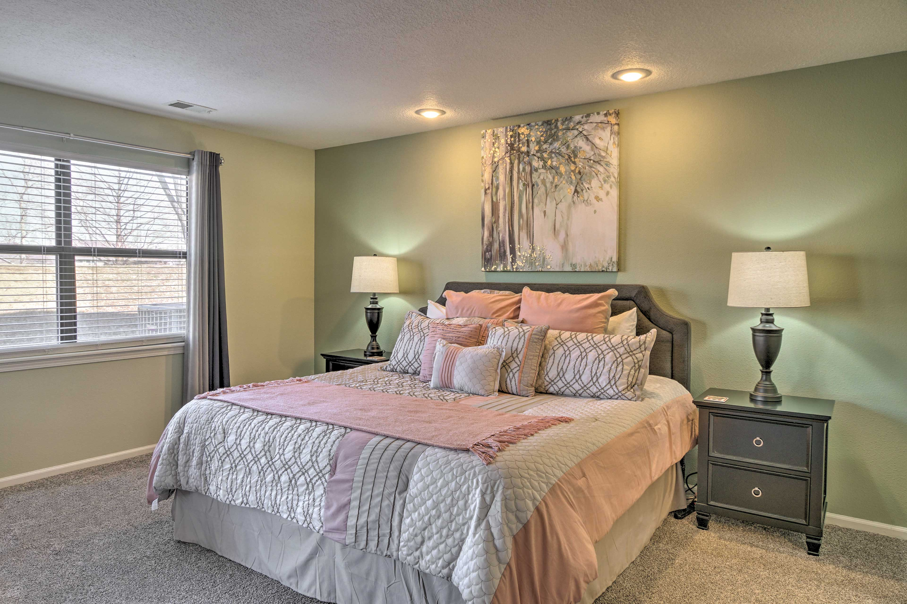 Bedroom 1 | King Bed | Linens Provided