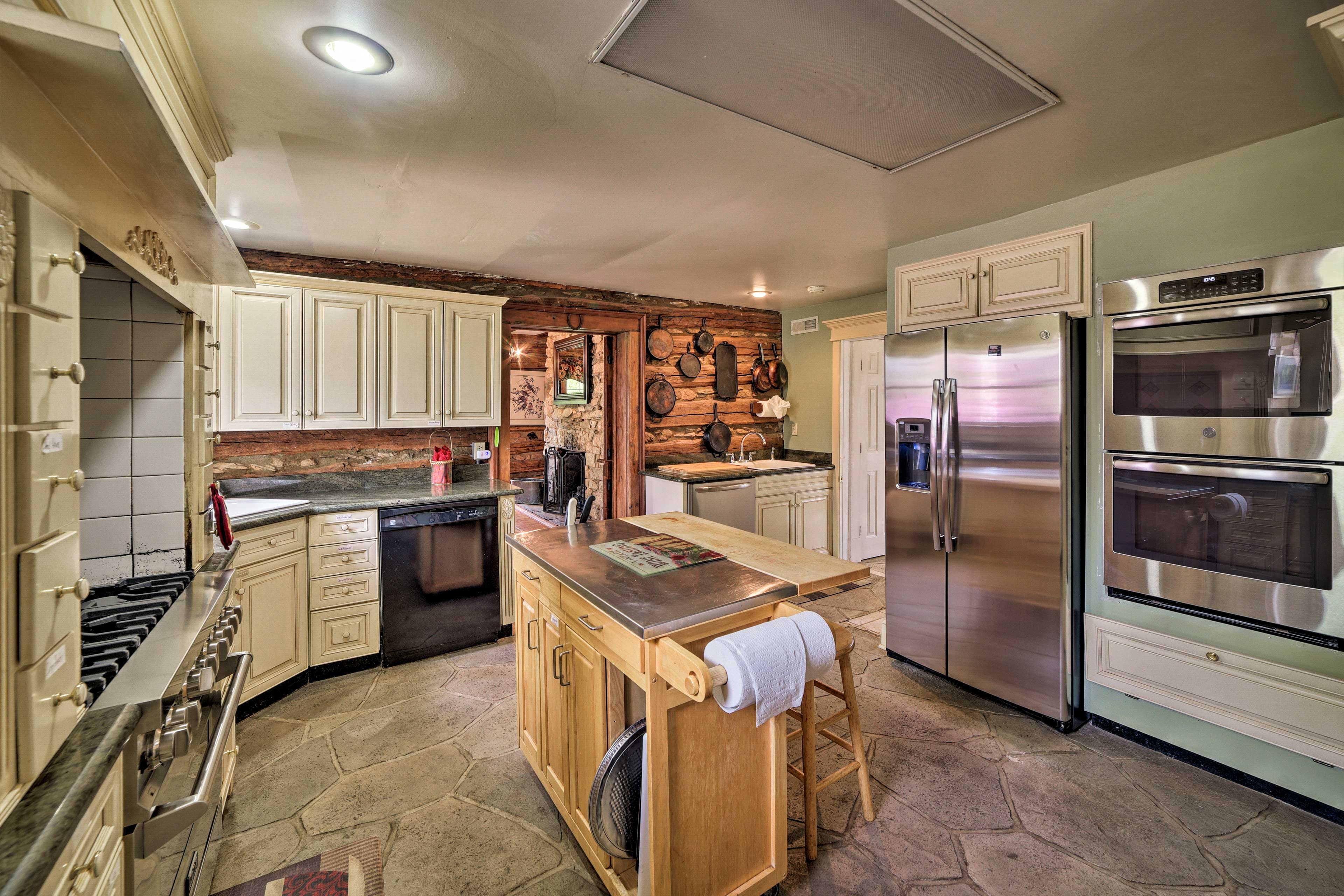 Fully Equipped Kitchen | Gas Range