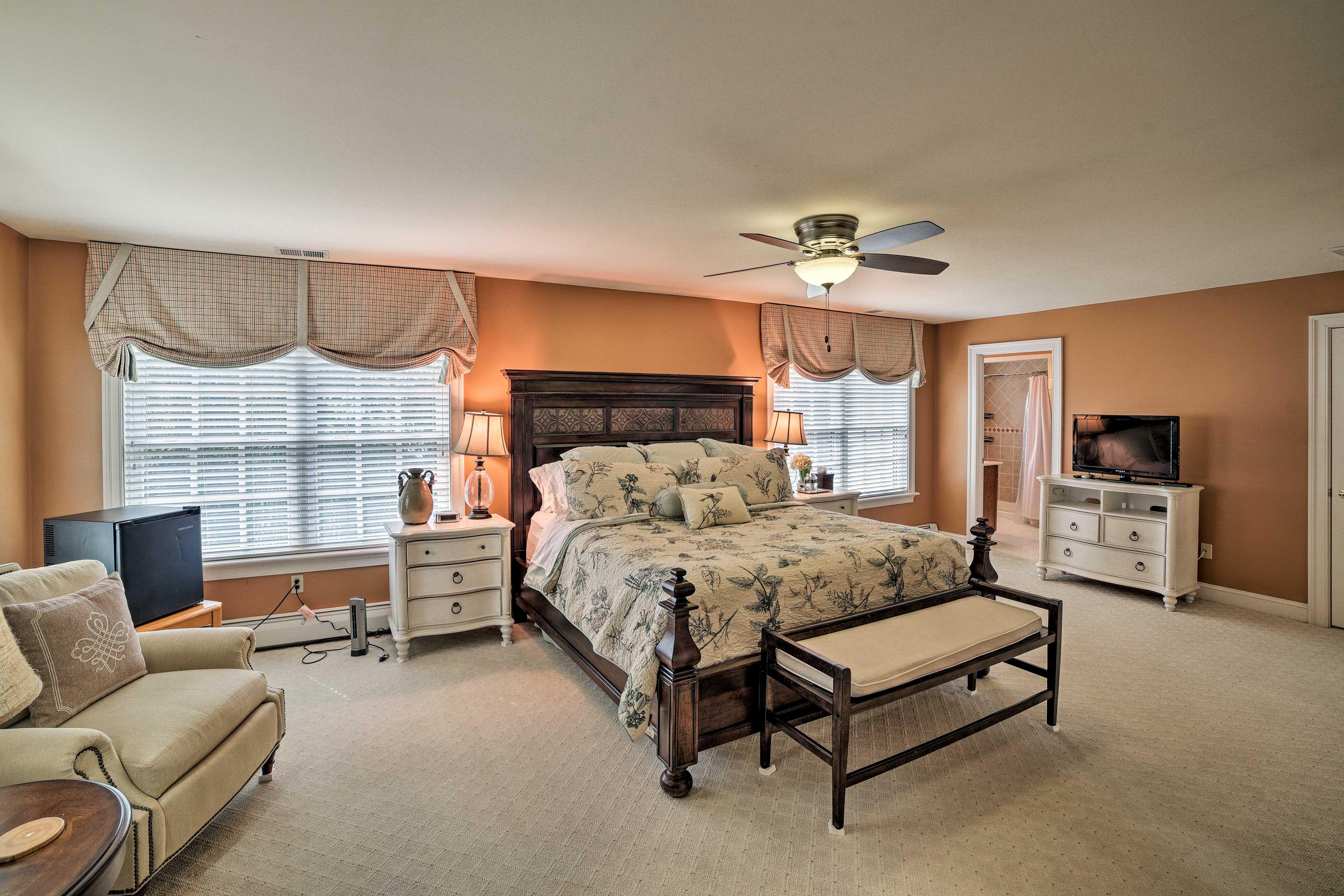 Bedroom 2 | King Bed | Mini-Fridge