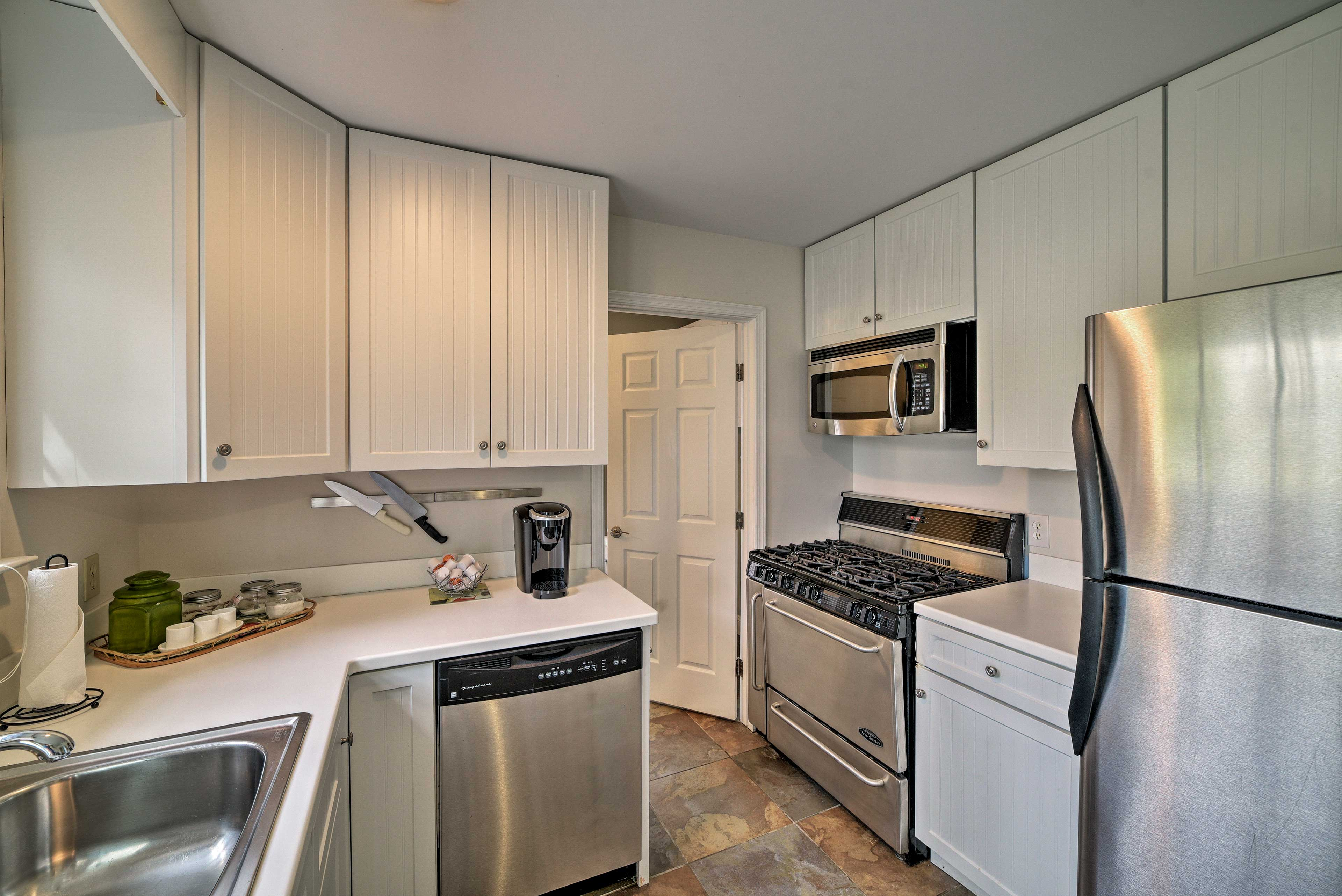 Private Cottage | Fully Equipped Kitchen