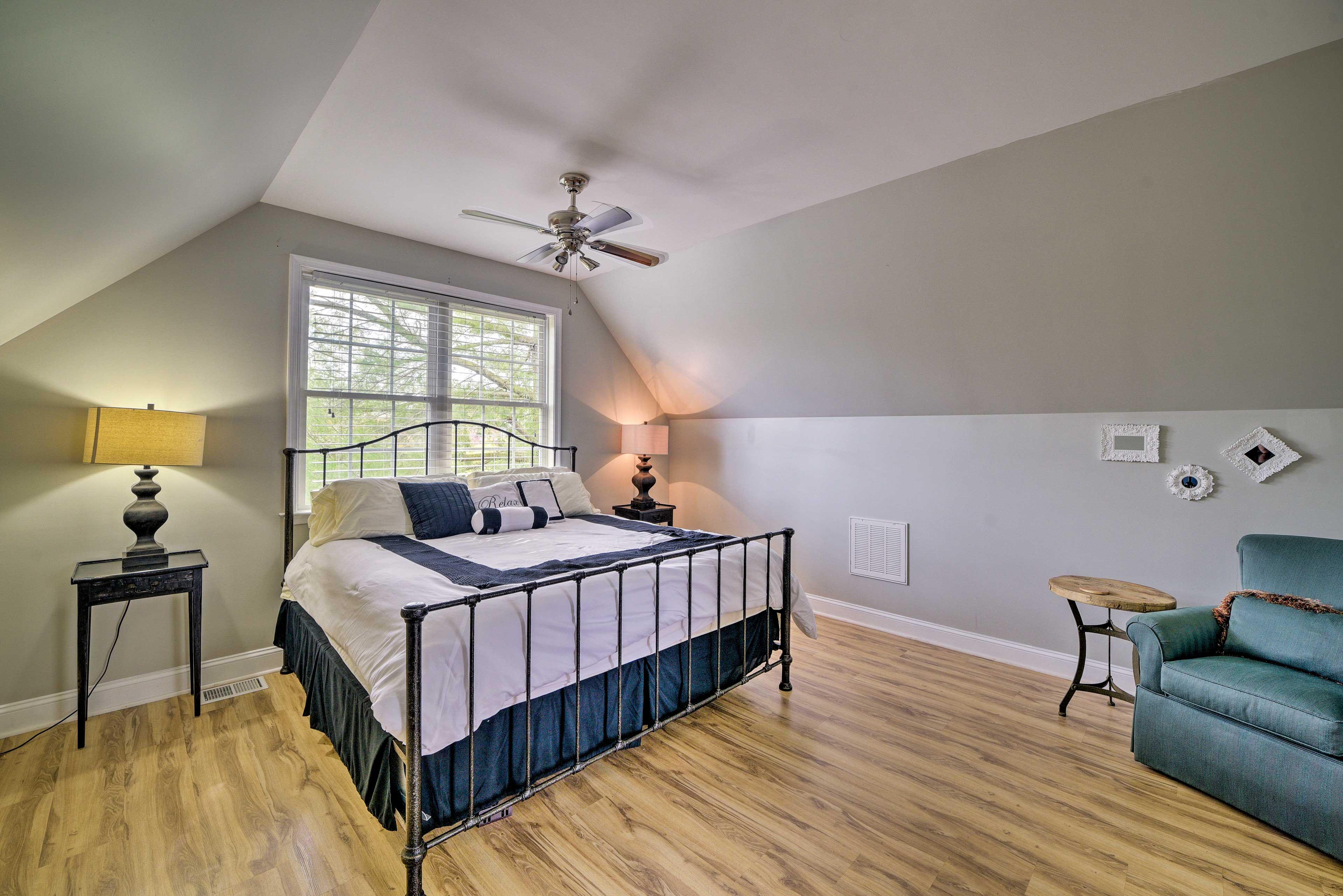 Bedroom 6 | King Bed