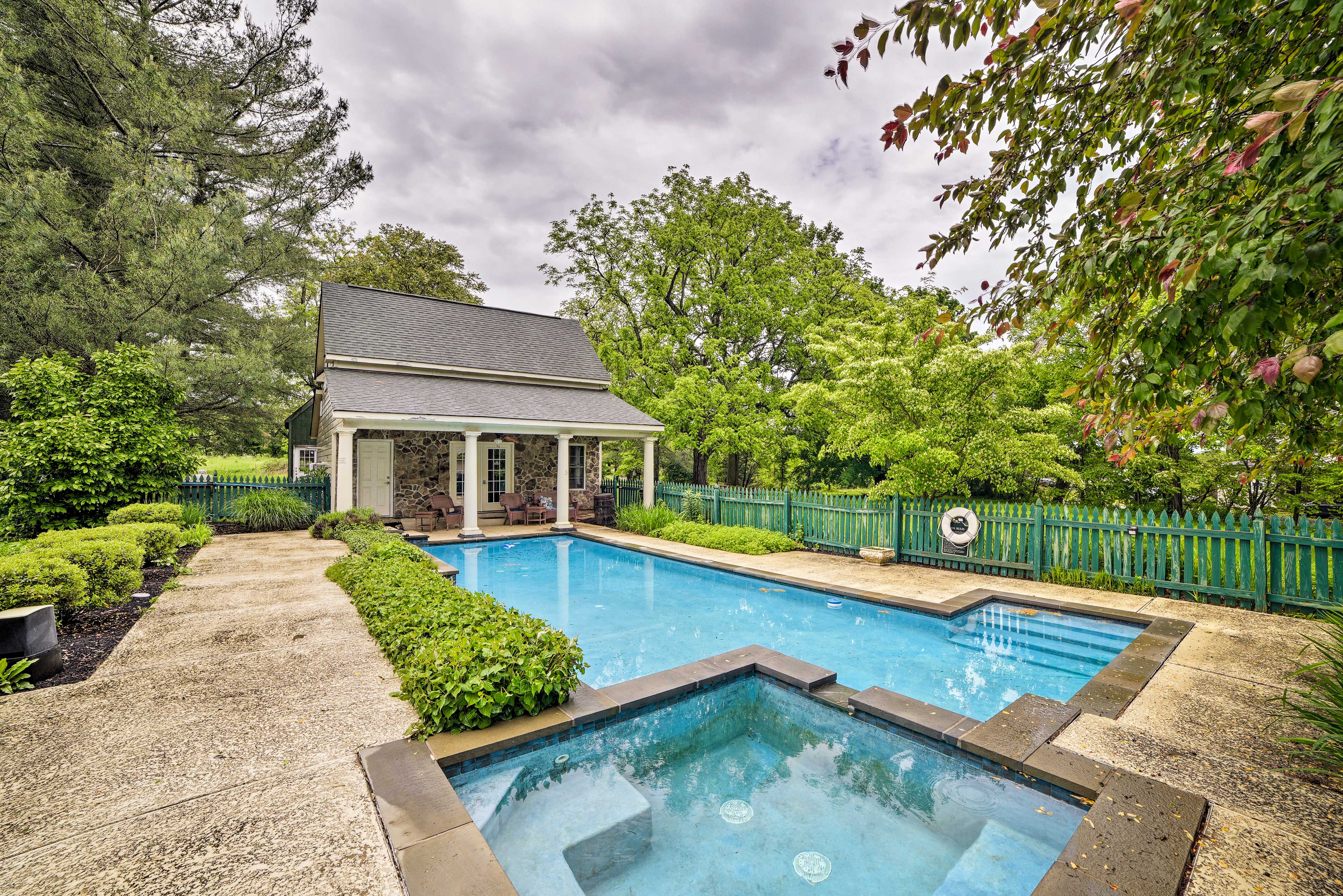 Hume Vacation Rental Villa | 6 Bedrooms | 6 Full Bathrooms | 2 Half Bathrooms