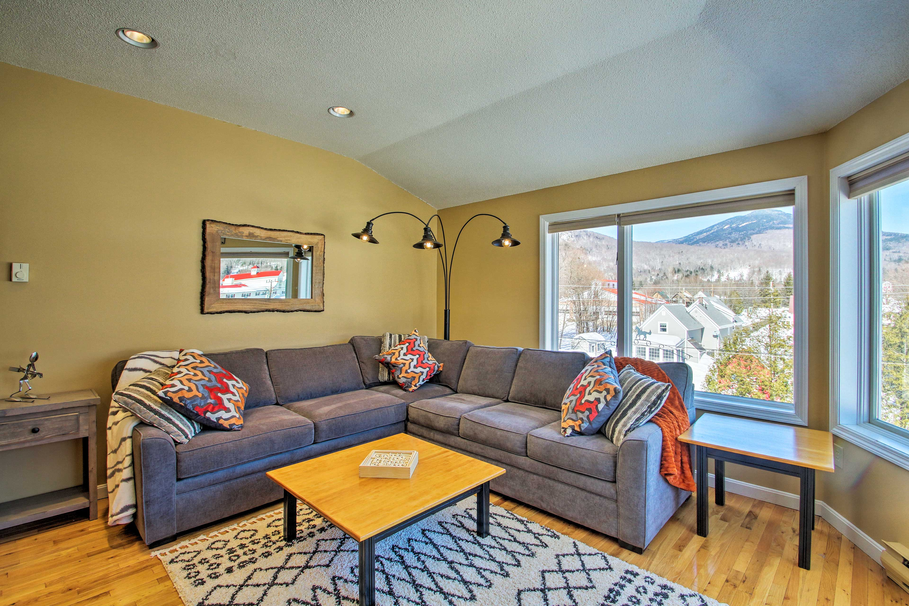 This Lincoln vacation rental condo is the perfect home base!