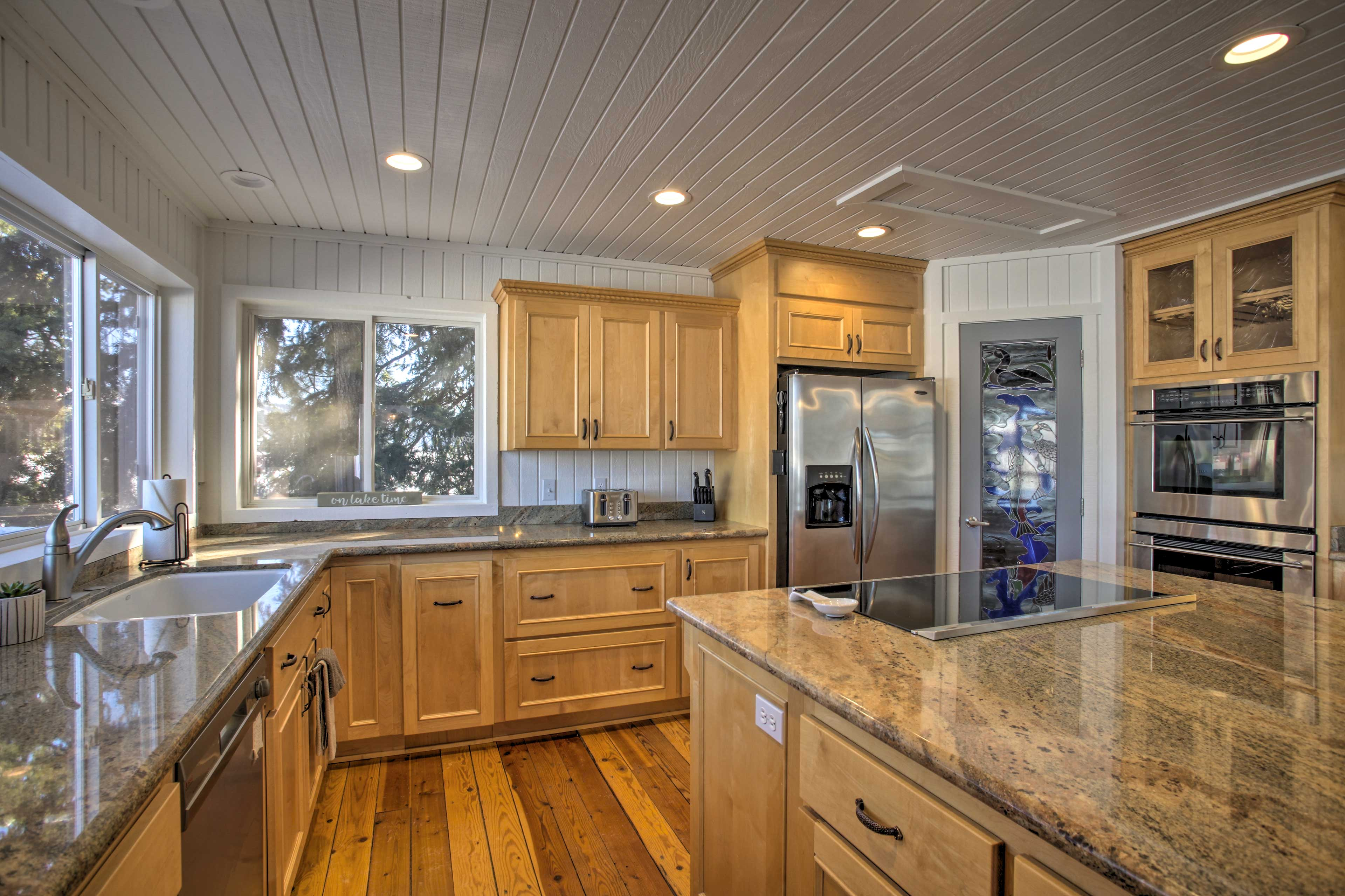 Cooking for a crowd is effortless in this fully equipped kitchen.