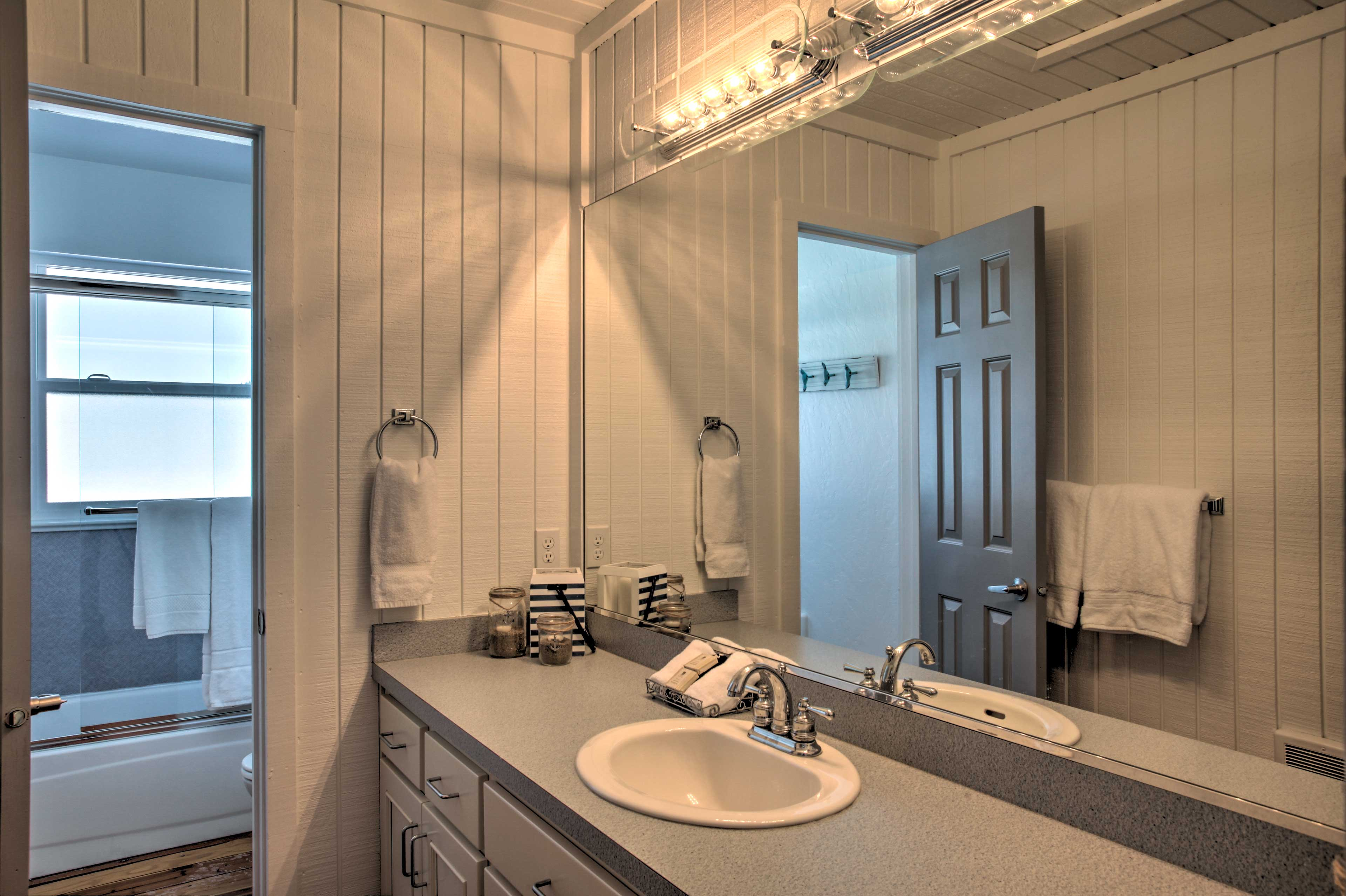 Freshen up in one of 4 full bathrooms.