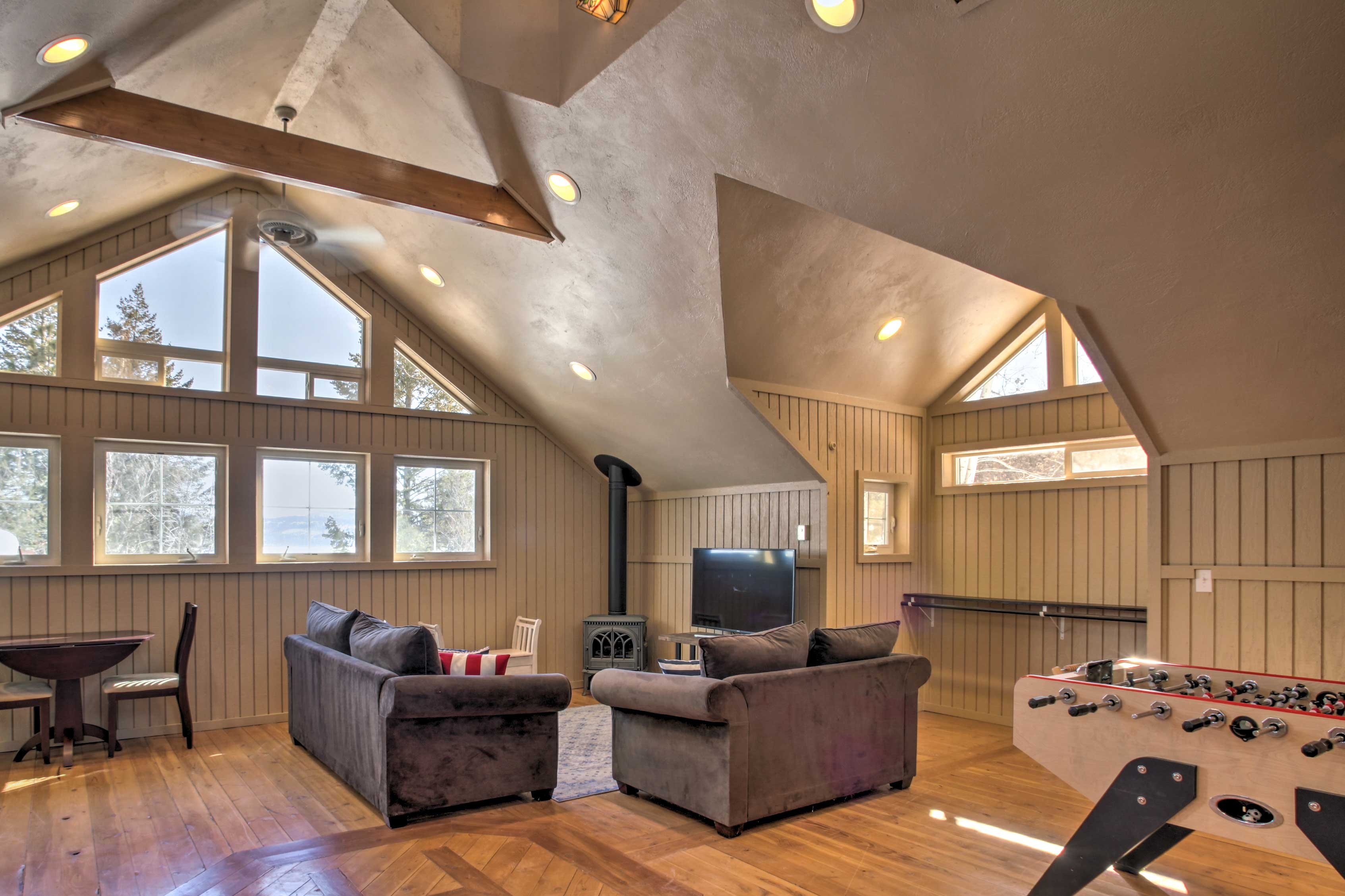 This private studio is located above the garage.