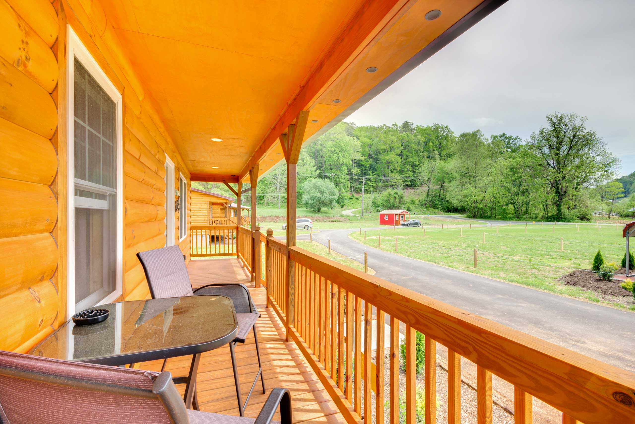 Book this Bryson City vacation rental cabin for a Smoky Mountain retreat!