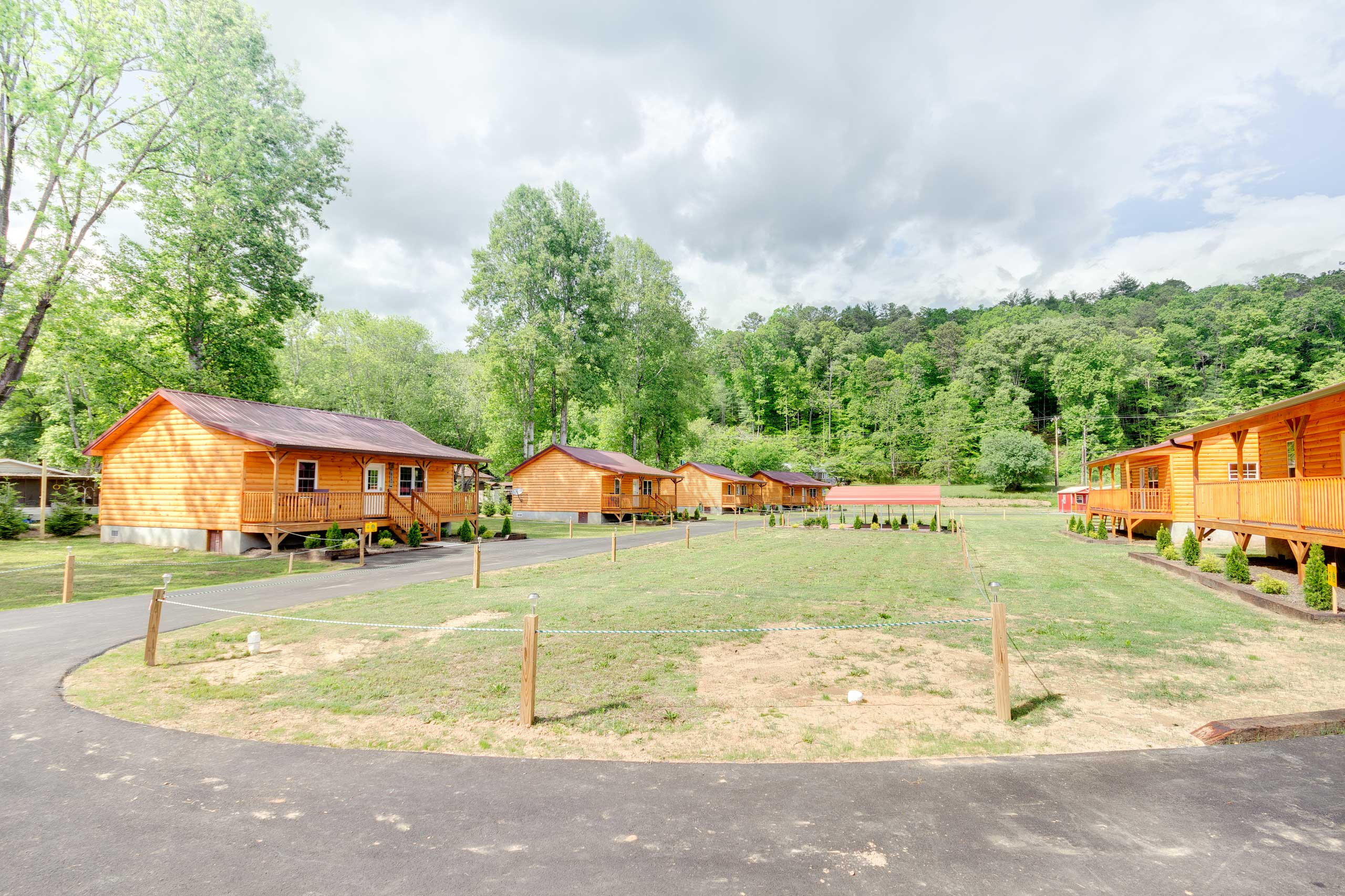 Several other cabins on the property are also available for rent.