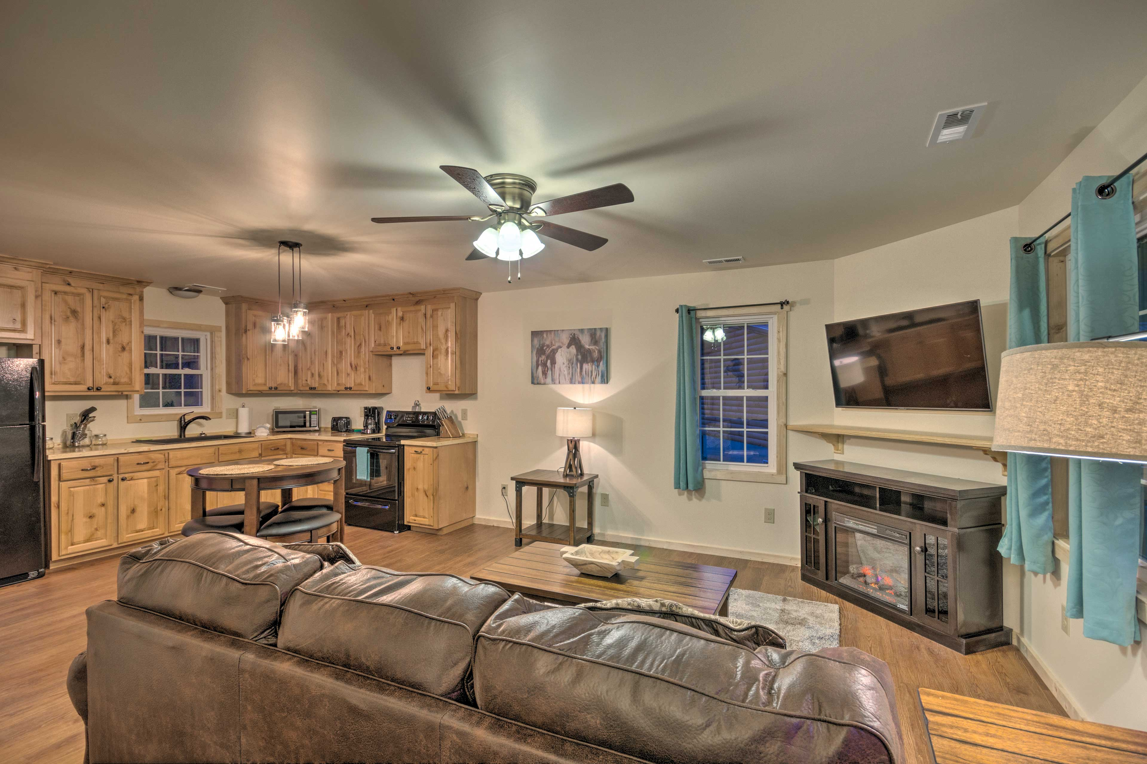 Inside, you'll find 1 bedroom, 1 bathroom, and all of the comforts of home.