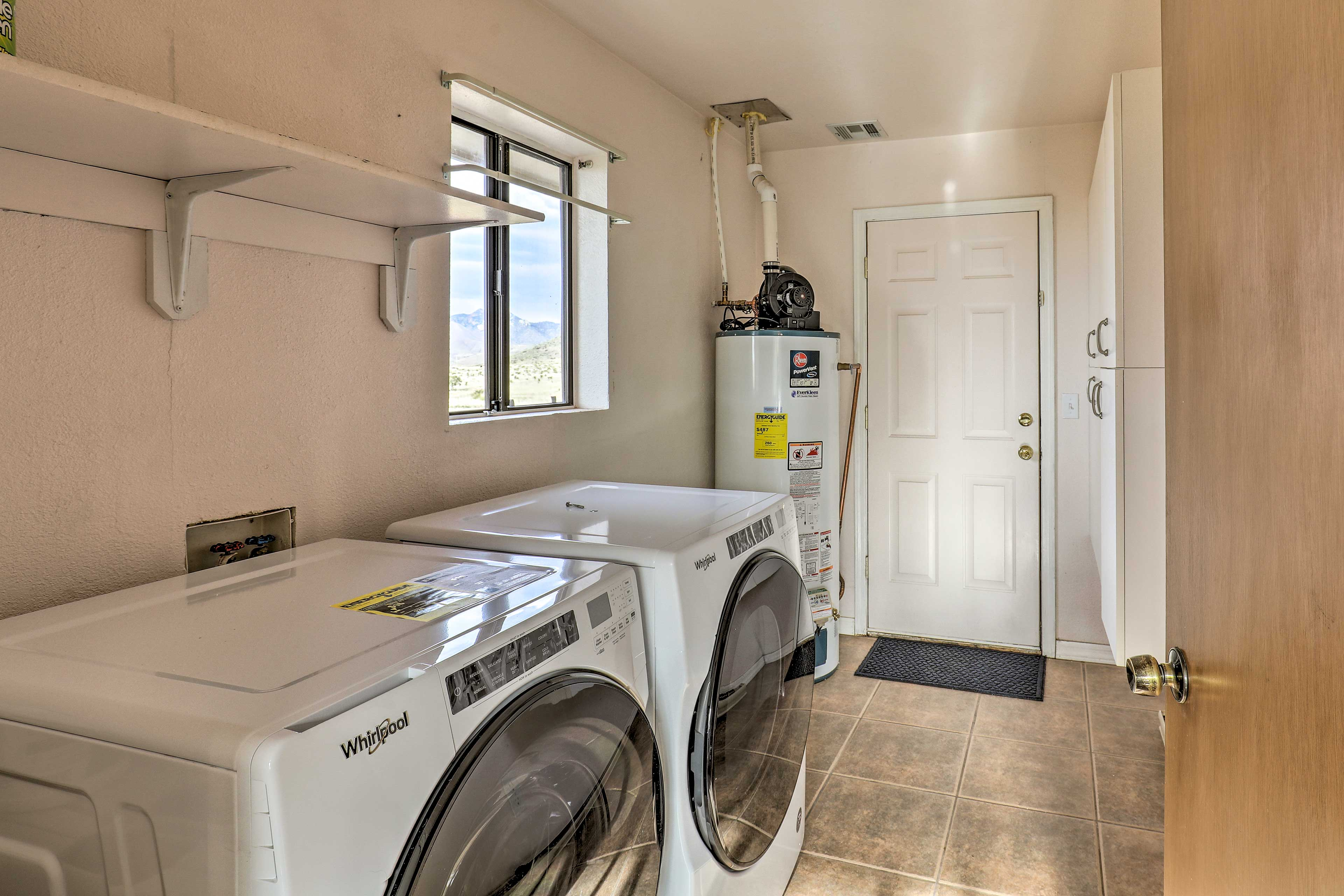 Use the washer and dryer to keep your clothes smelling fresh during your trip.