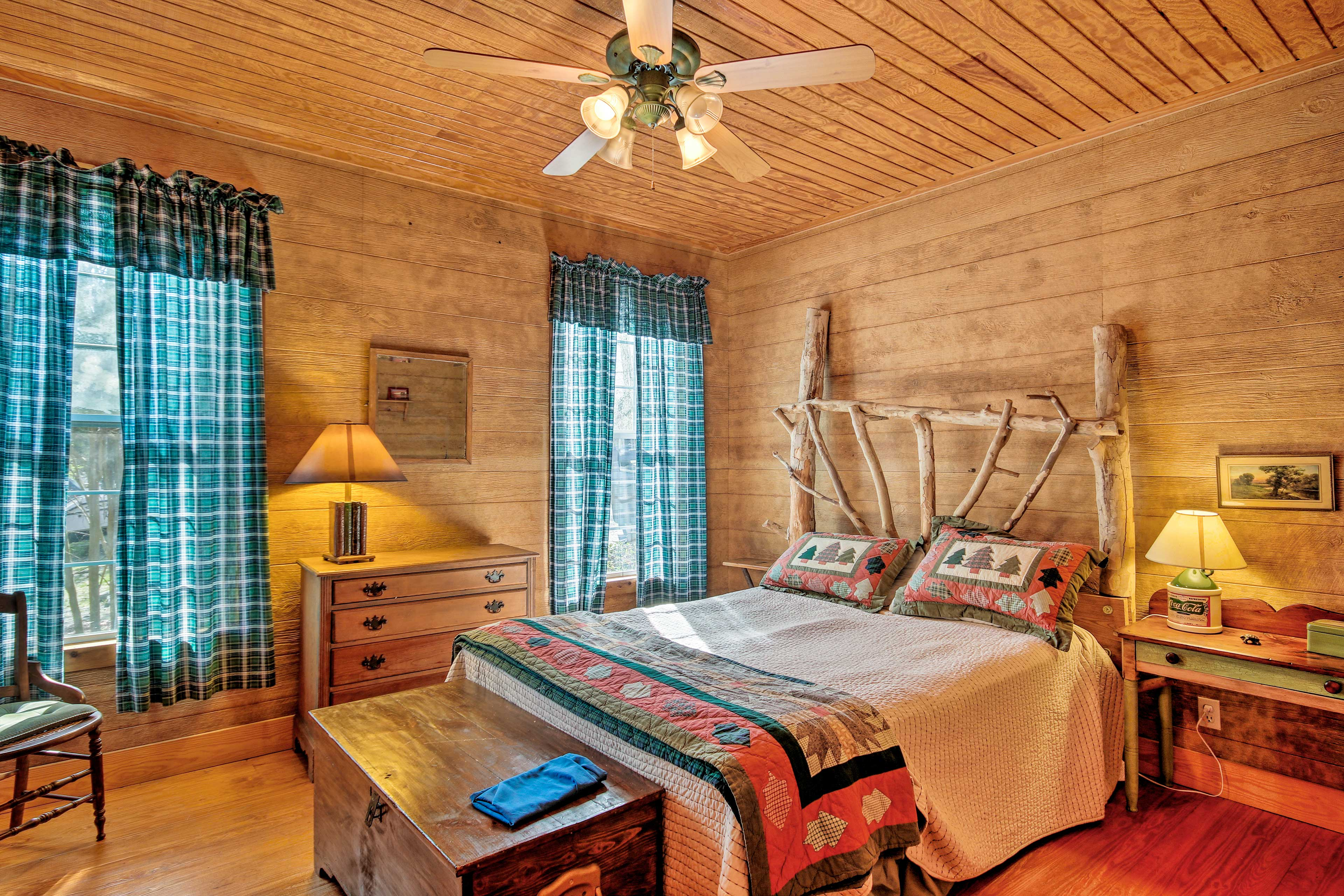 This bedroom features a queen bed.