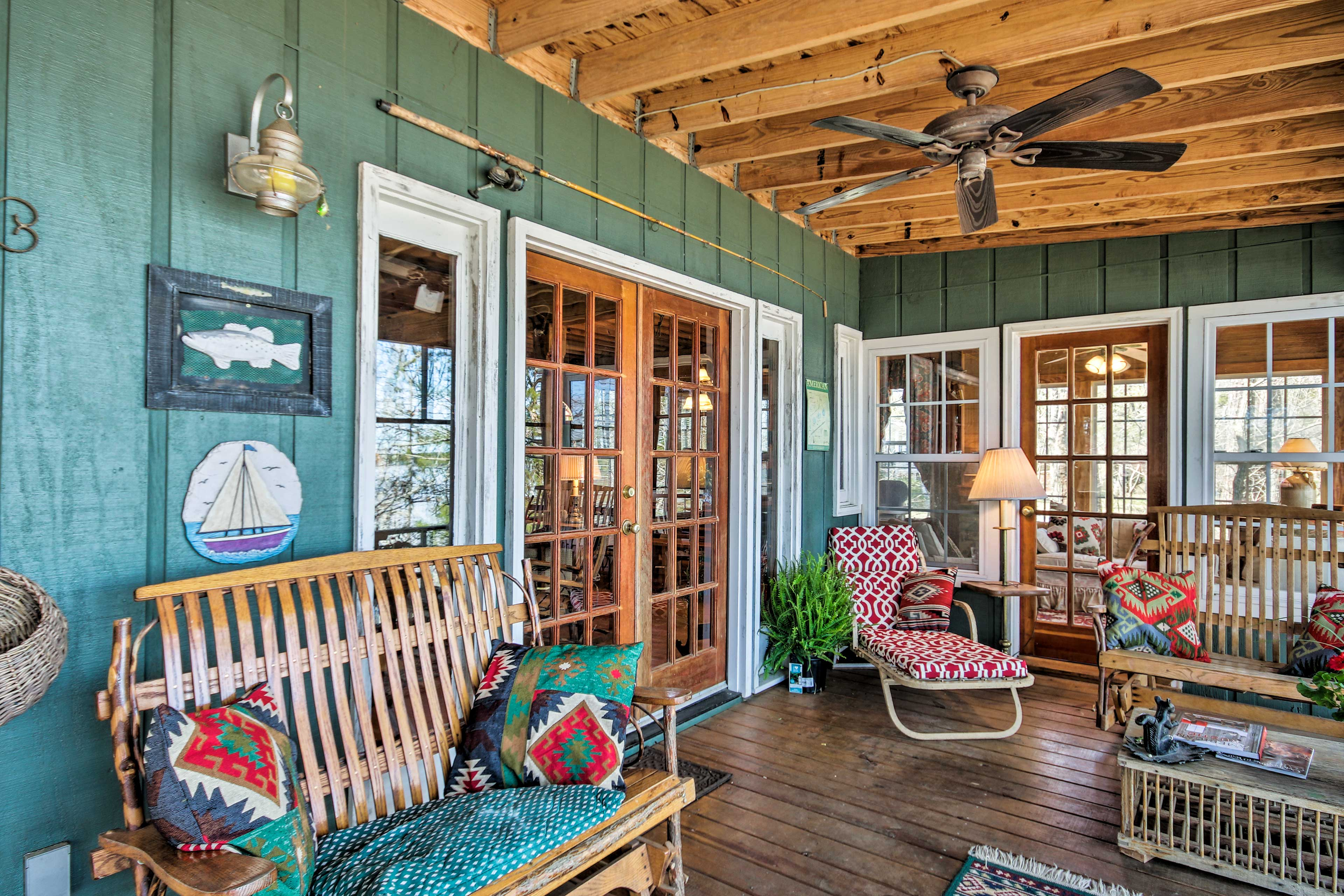 Fifteen guests will love staying at this charming home!