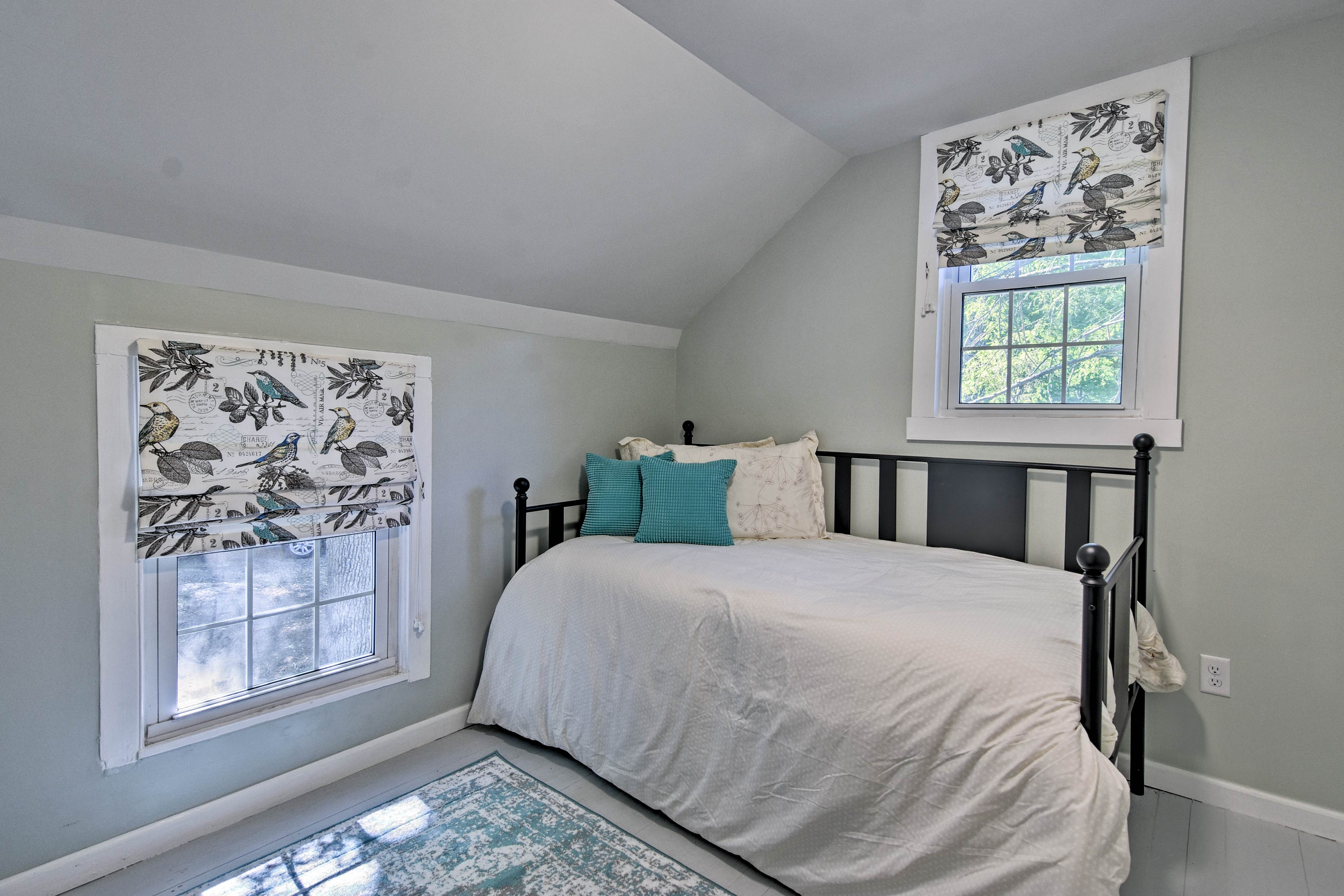 Up to 2 can sleep in this room with a twin bed with twin trundle.