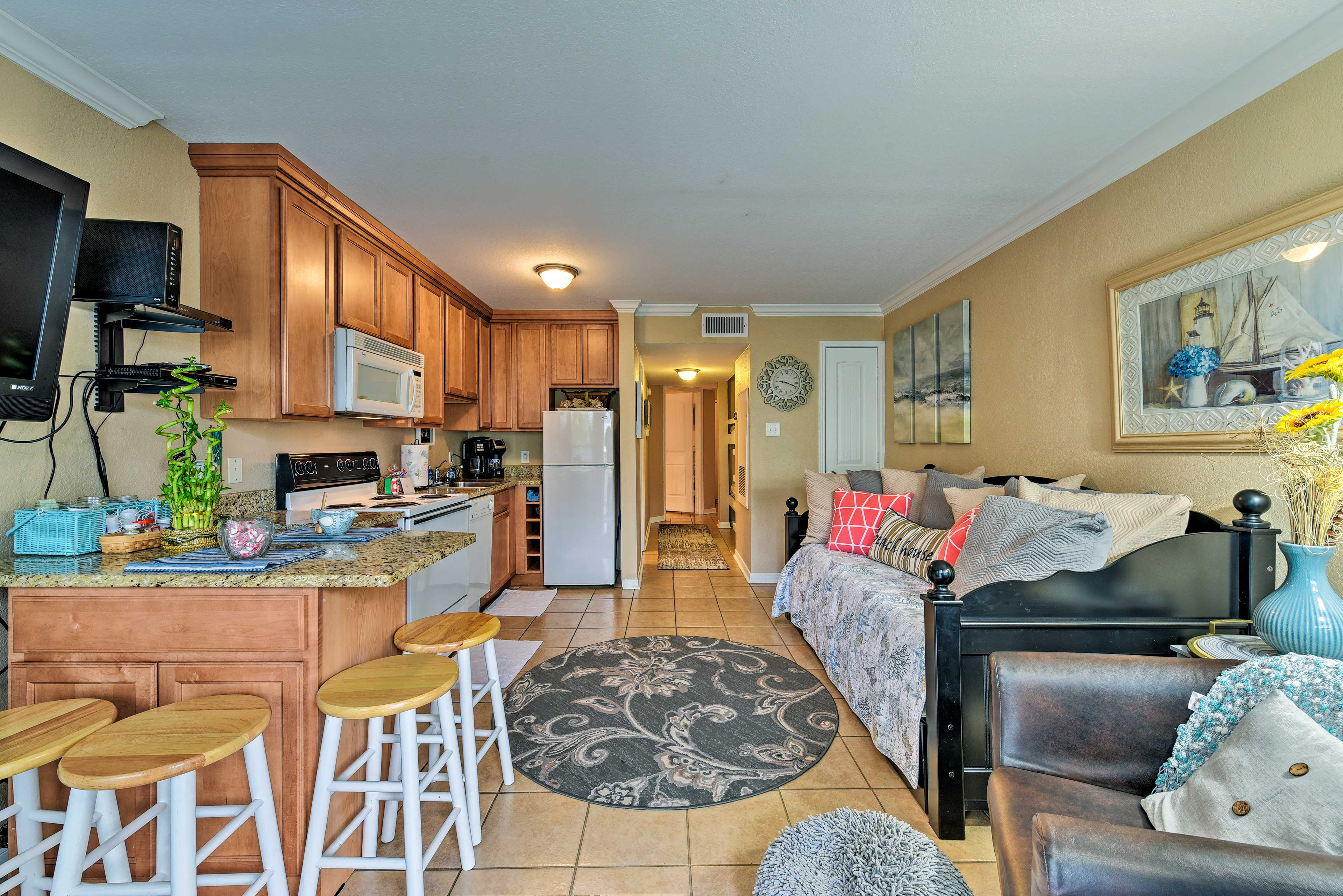 Hit Galveston's beach from this ideally located vacation rental condo!