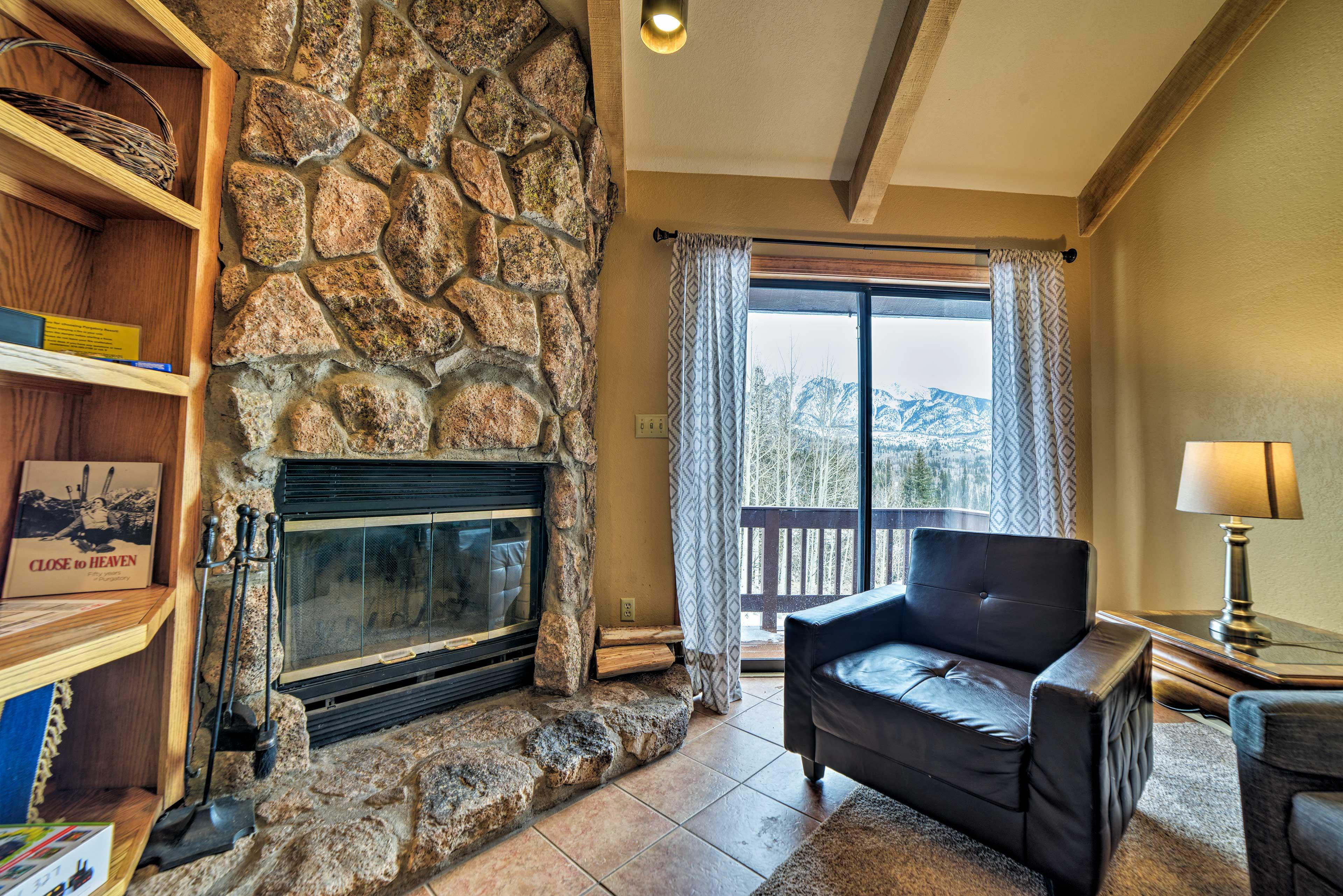 Living Room | Mountain Views