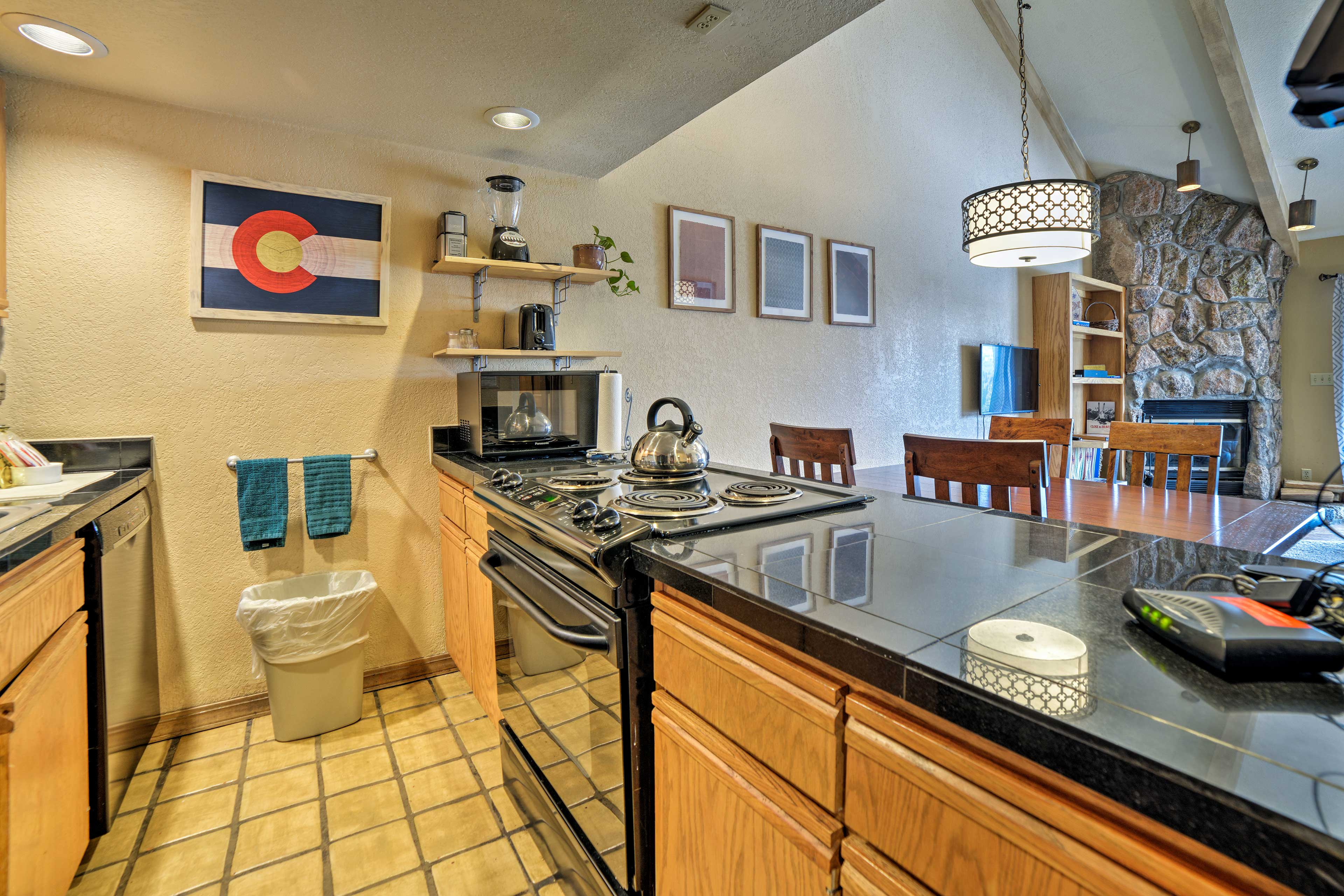 Fully Equipped Kitchen | Tea Kettle | Drip Coffee Maker | Blender | Toaster