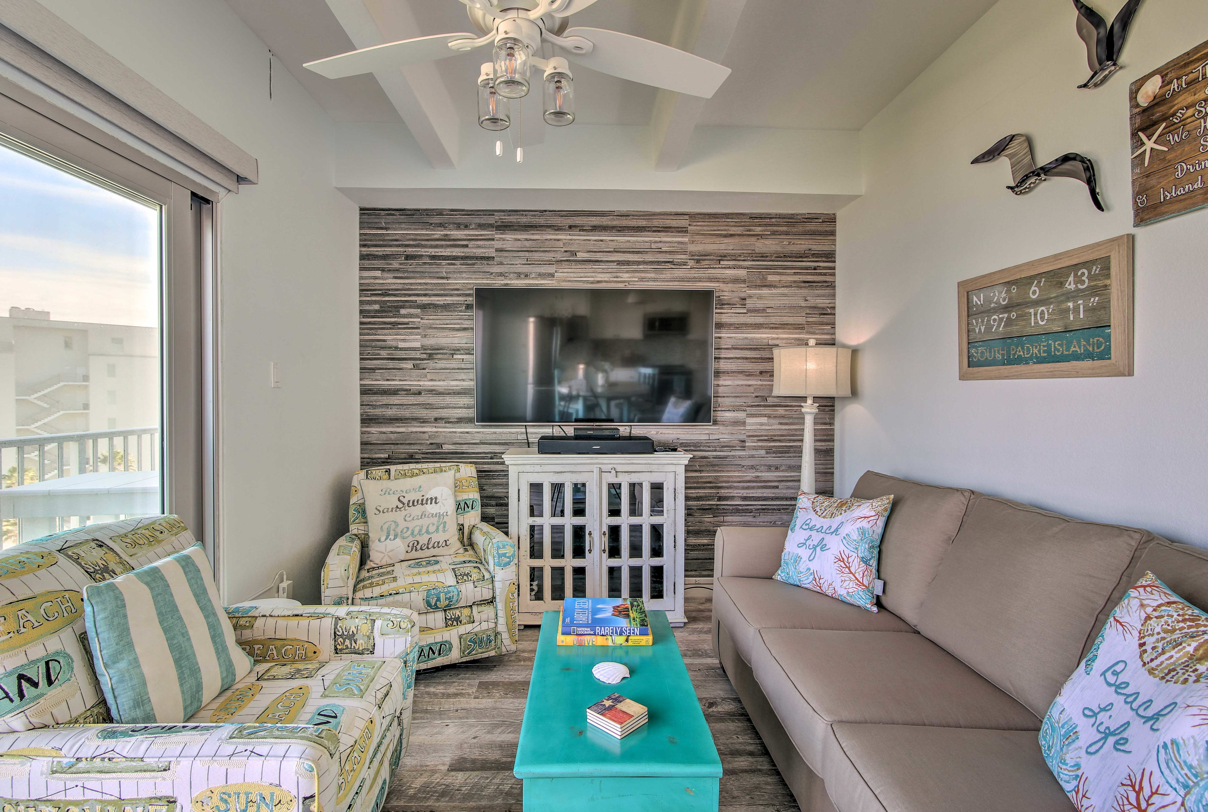 Living Room | Free WiFi | Smart TV | Air Conditioning | Heating