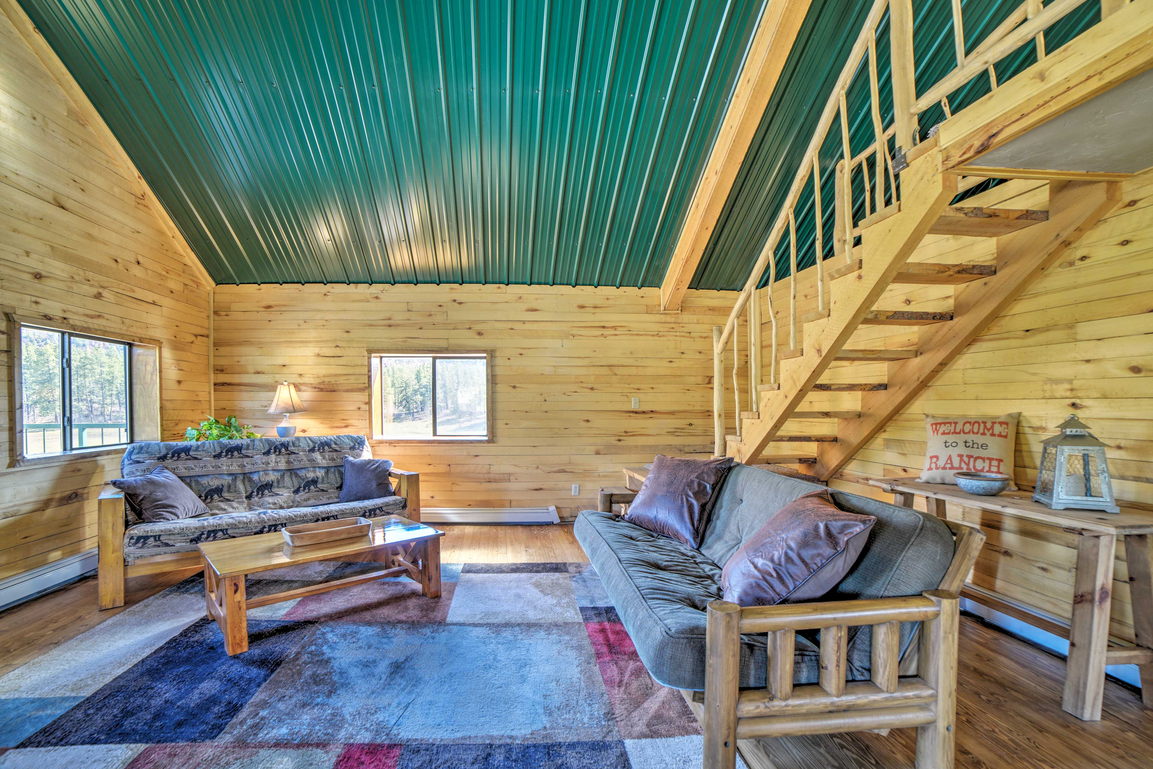 Living Room | Futons | Mountain-Themed Decor