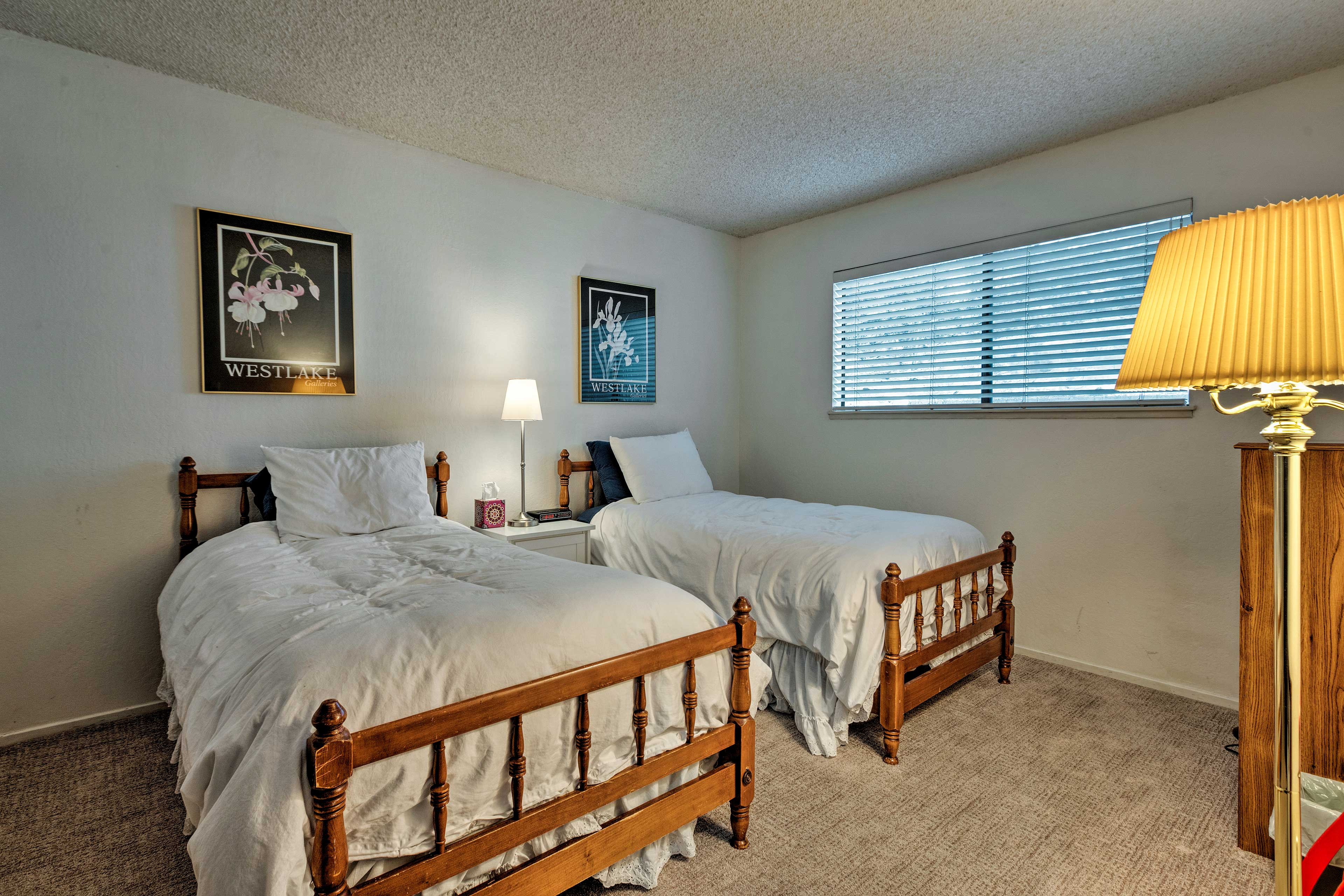 This room includes 2 twin beds.