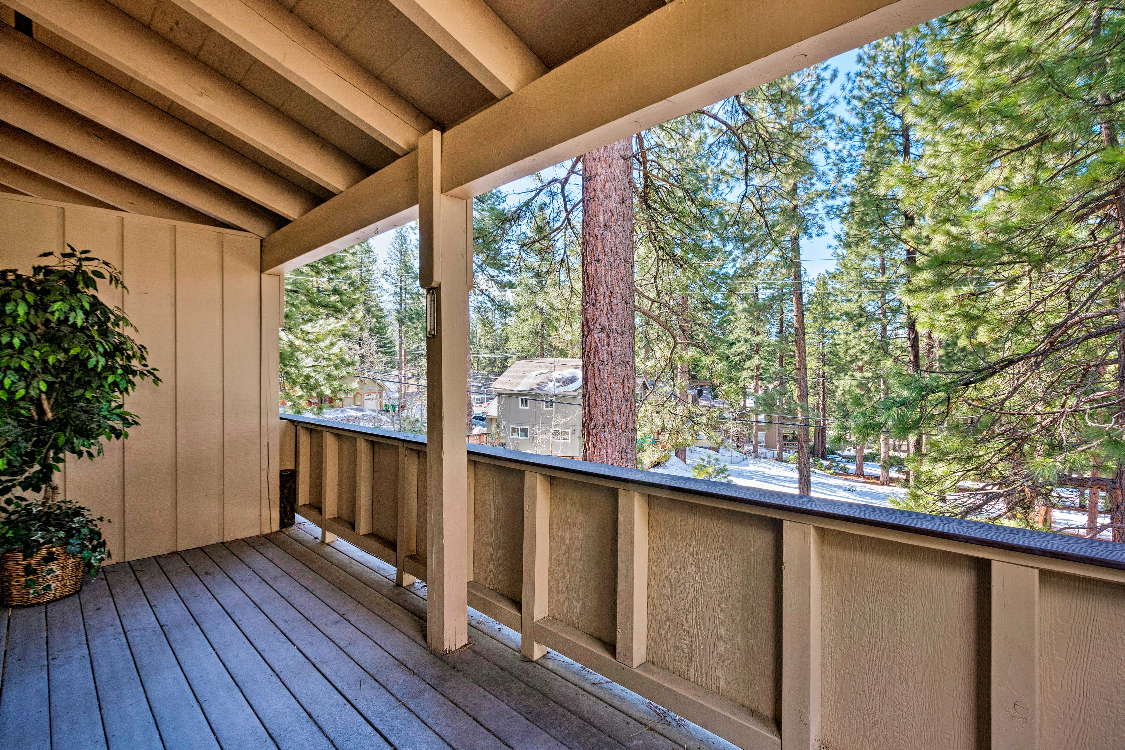 There are 3 bedrooms, a loft, 2.5 bathrooms, a spacious deck, and room for 12!