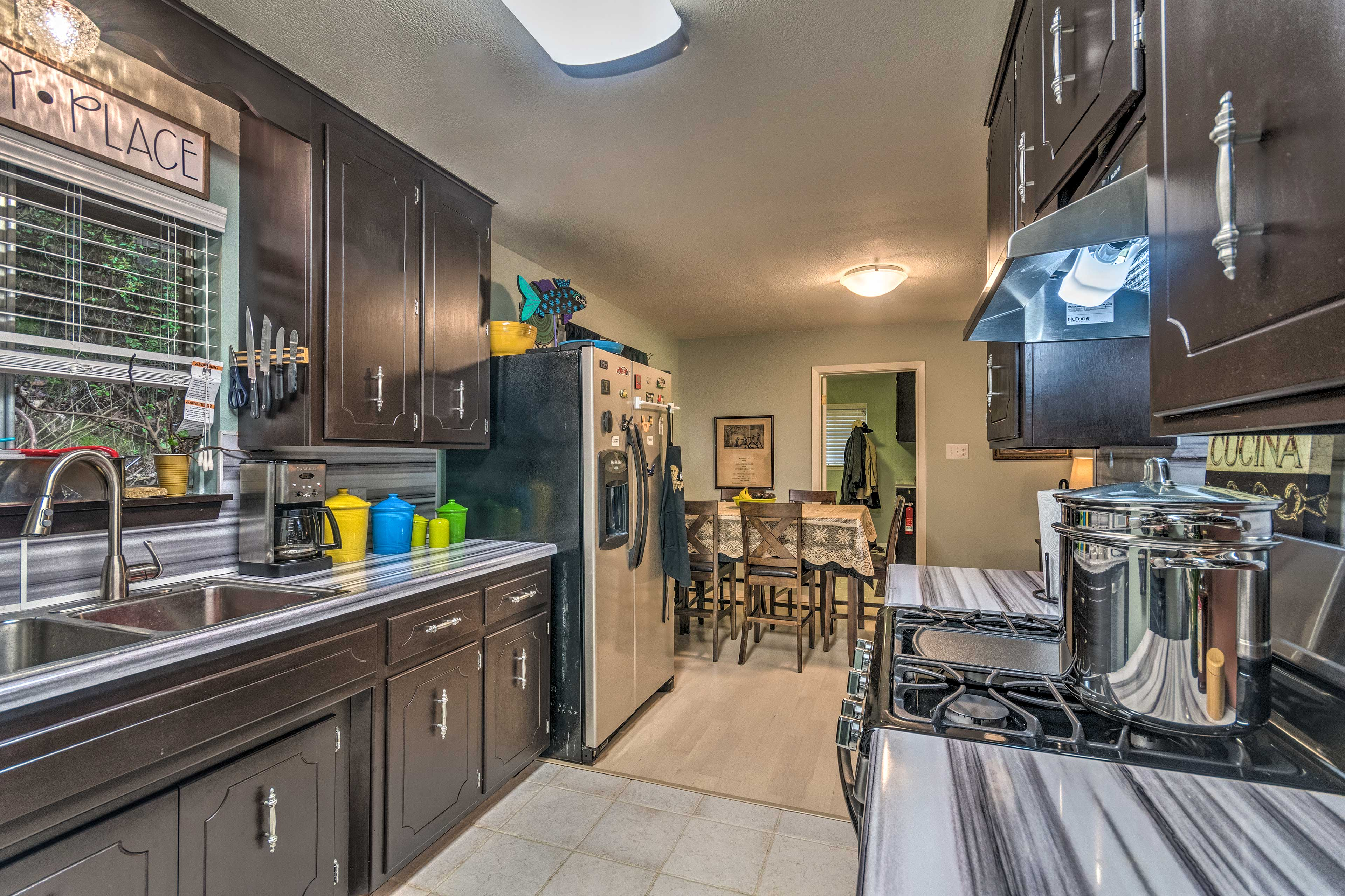 You'll love the 5-star stainless steel appliances.