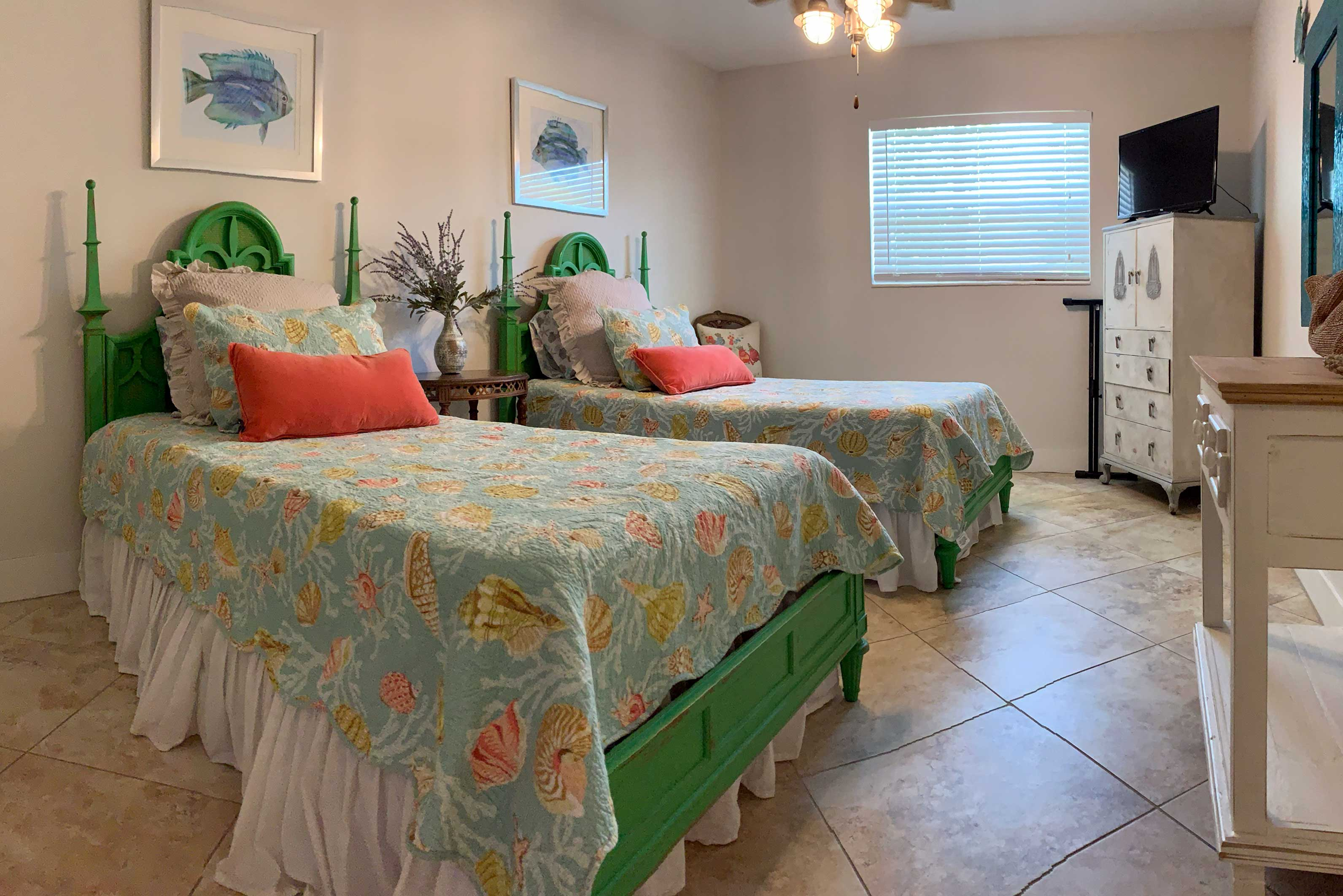 Bedroom 3 | 2 Twin Beds | Linens Provided