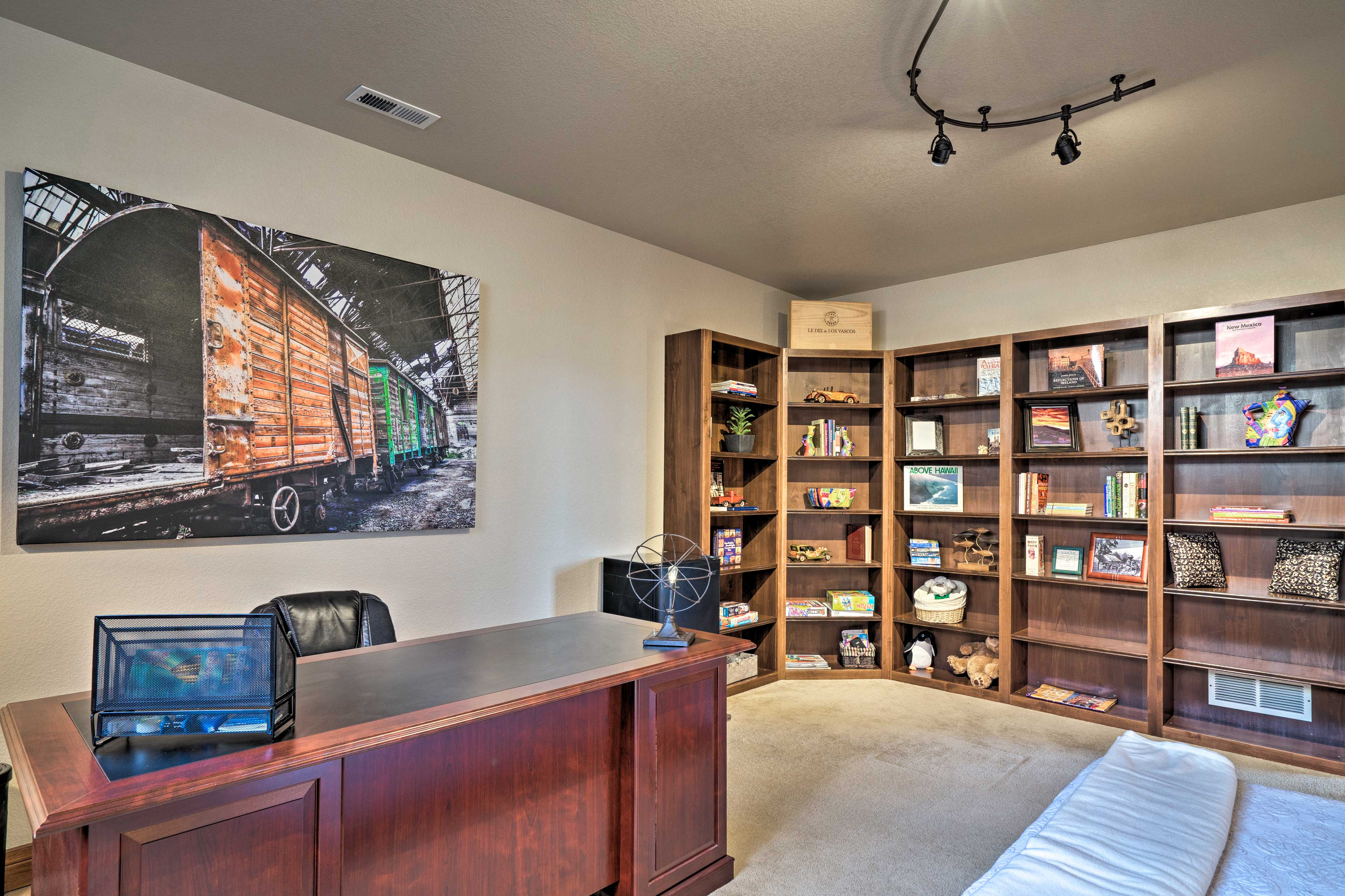 Connect to free WiFi and work remotely from this laptop-friendly office space.