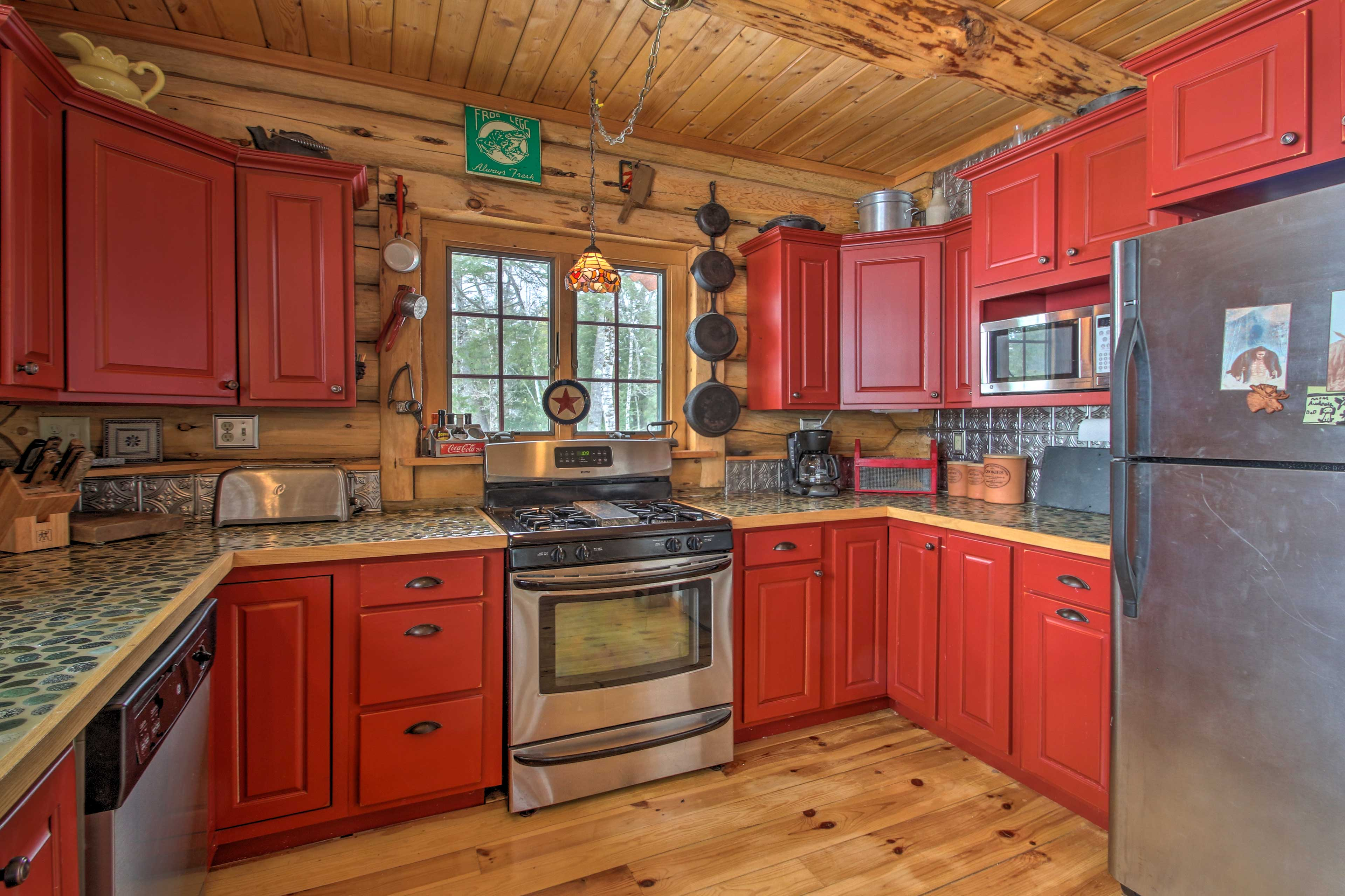 This kitchen comes fully equipped to handle all of your home-cooking needs.
