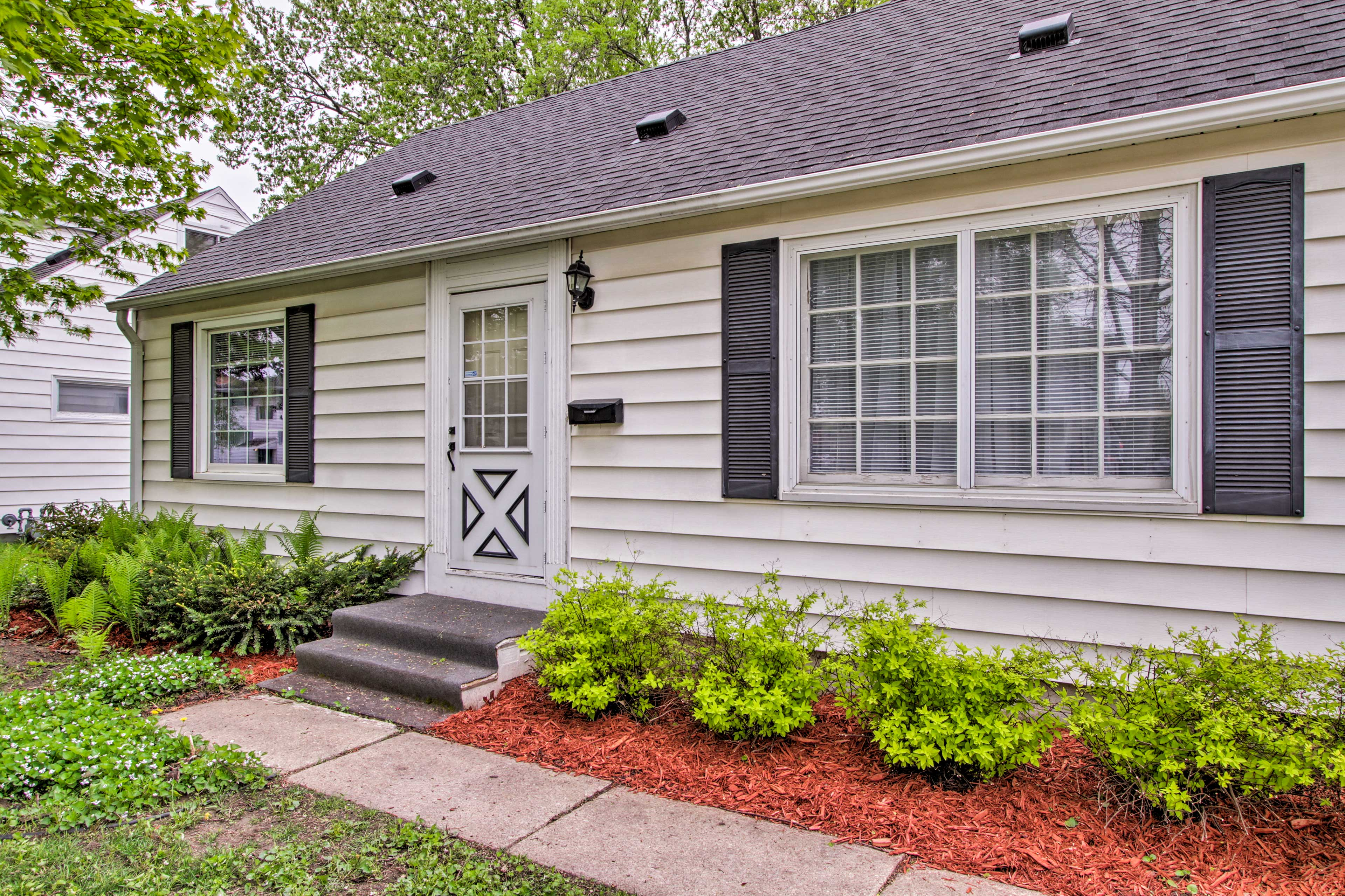Enjoy an ideal Rochester location for your next vacation!