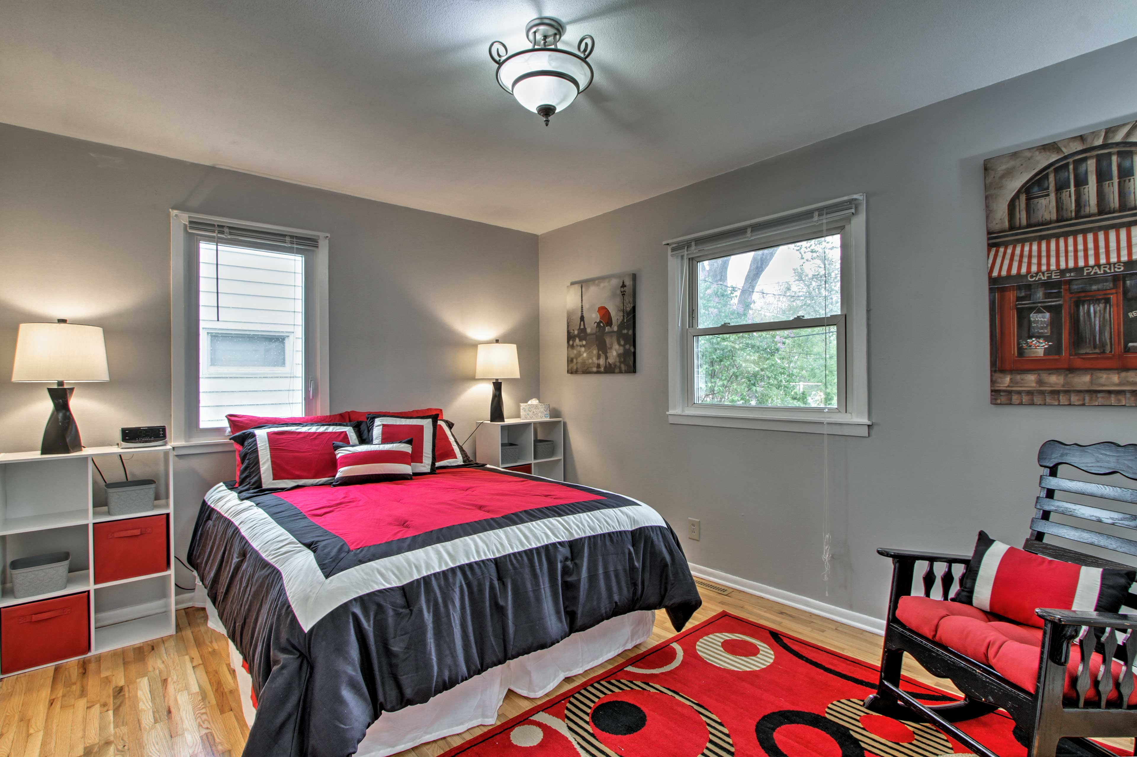 Two guests can share the comfort of this queen bed.