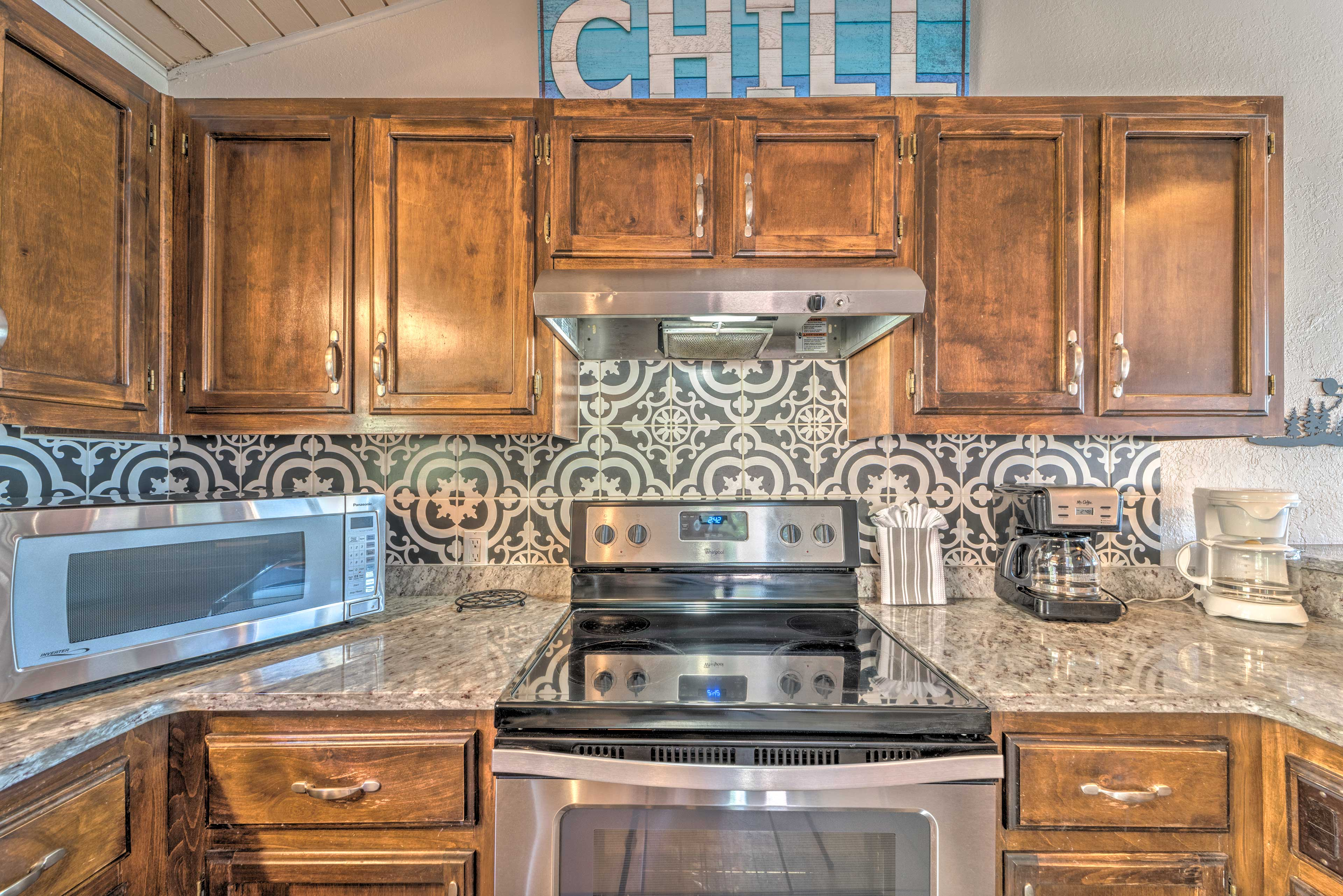 Fully Equipped Kitchen | Stainless Steel Appliances | Granite Countertops