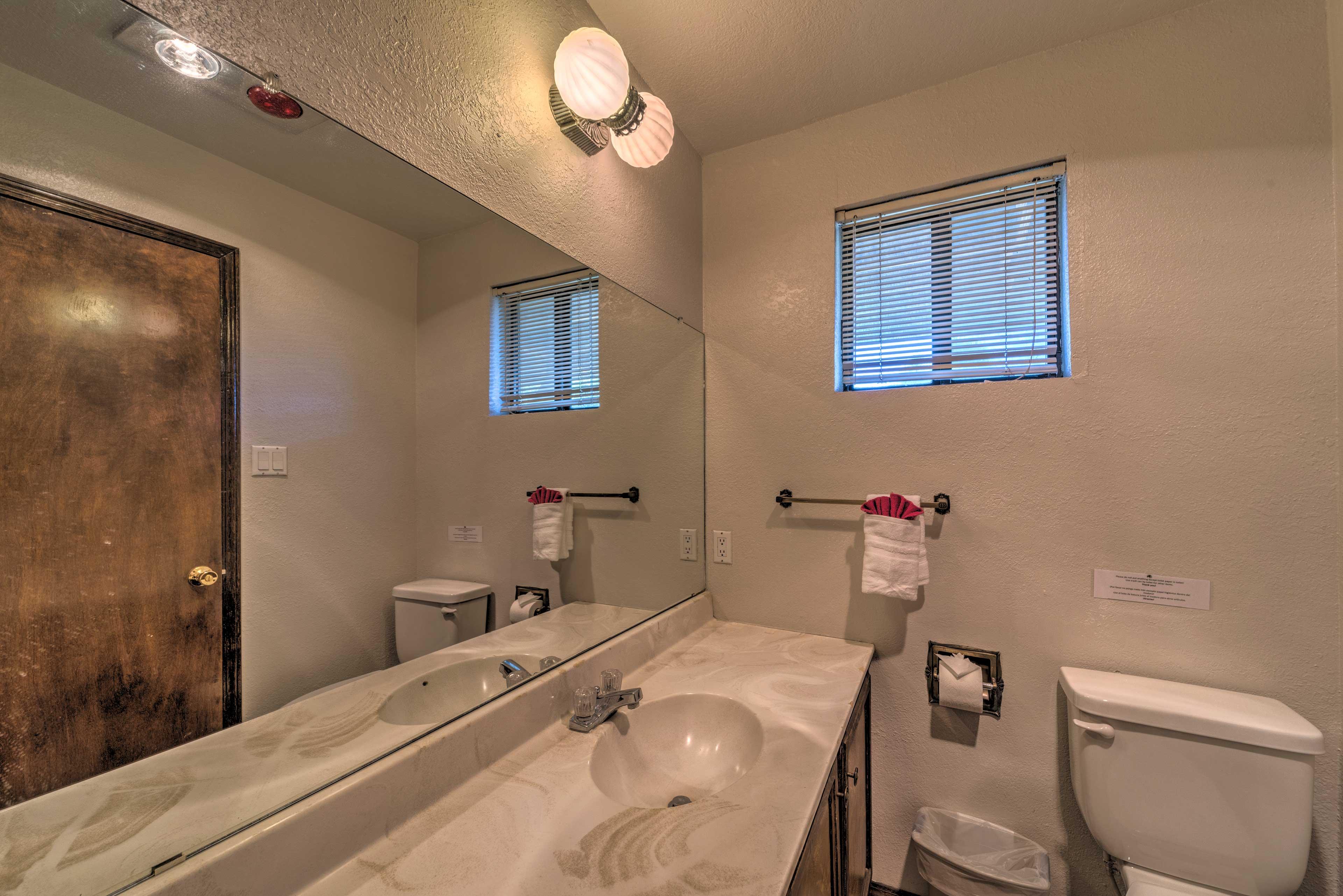 Full Bathroom 1