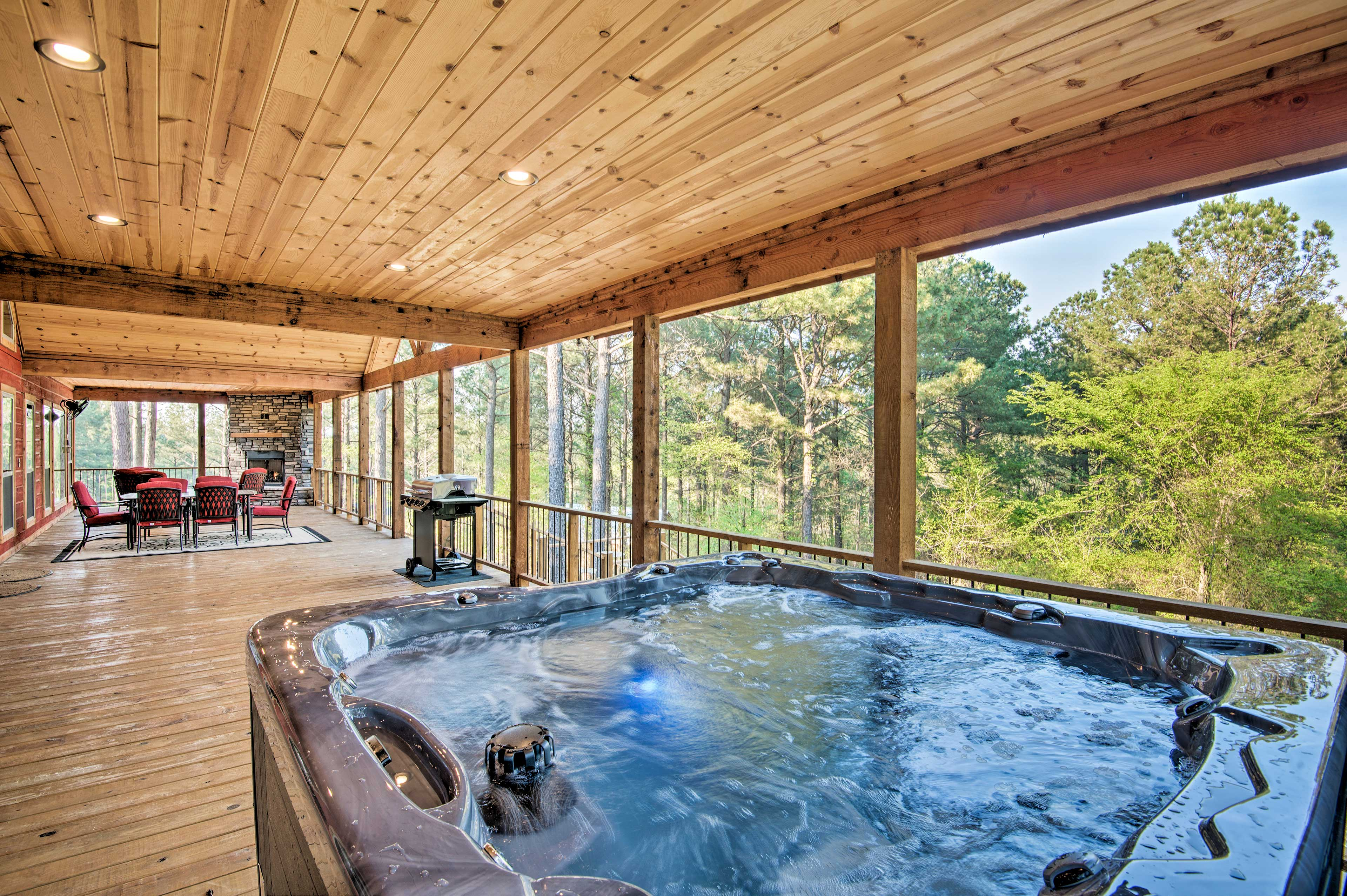 The vacation rental boasts a superb, secluded location 10 minutes to the lake.