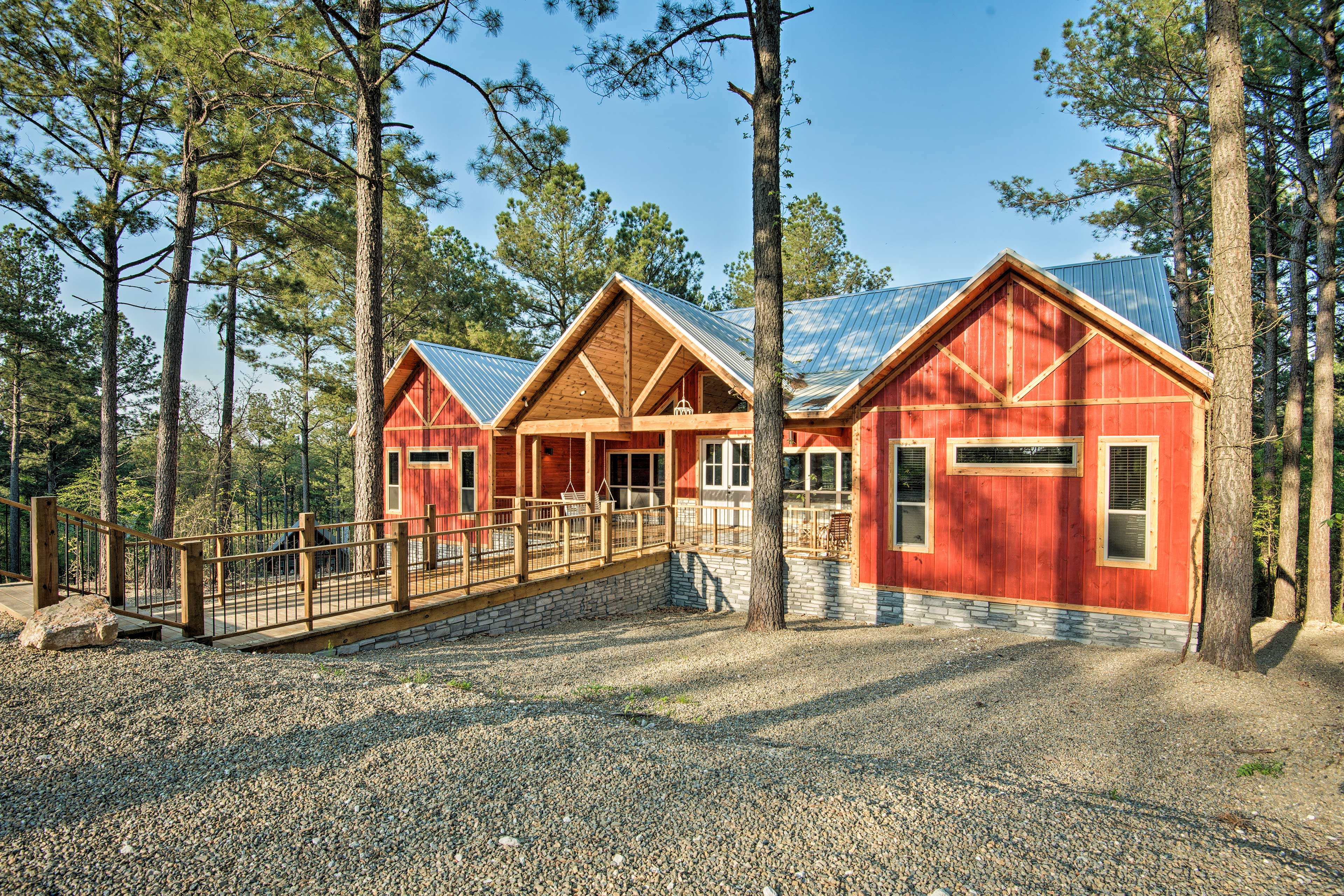Enjoy a private & peaceful atmosphere at this luxury cabin.